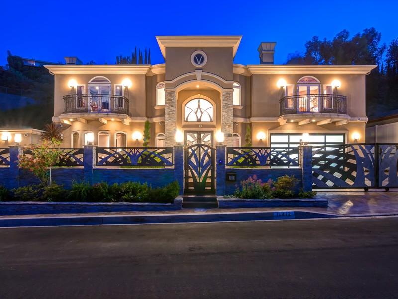 Vivienda unifamiliar por un Venta en 11412 Dona Dolores Pl Studio City, California 91604 Estados Unidos