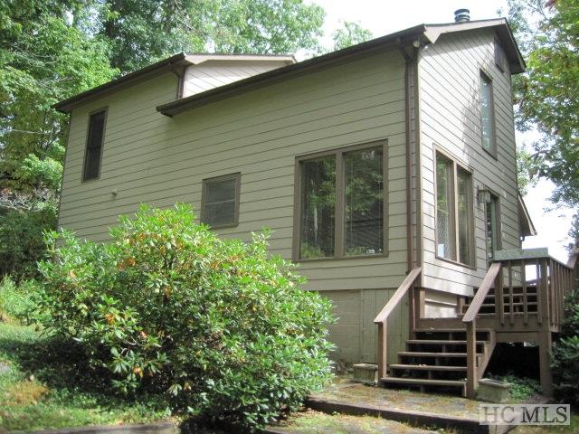 Nhà ở một gia đình vì Bán tại 135 Wyanoak Road Highlands, Bắc Carolina 28741 Hoa Kỳ