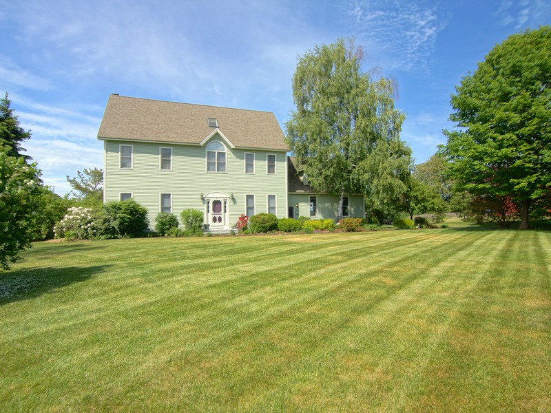 Single Family Home for Sale at Gardener's Delight with Beautiful Grounds 4 Winding Brook Drive Stratham, New Hampshire 03885 United States