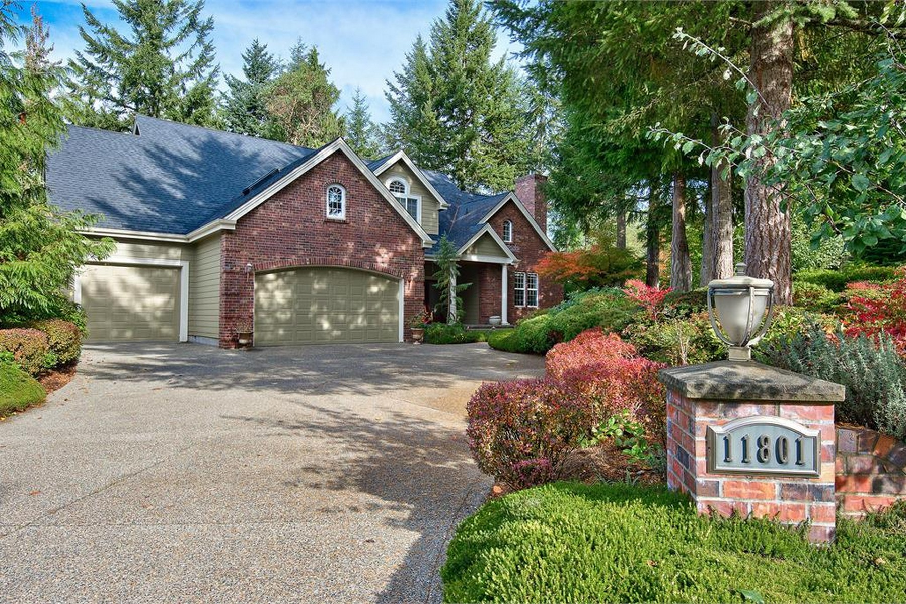 Single Family Home for Sale at Stunning Canterwood Estate 11801 Sorrel Run NW Gig Harbor, Washington, 98332 United States