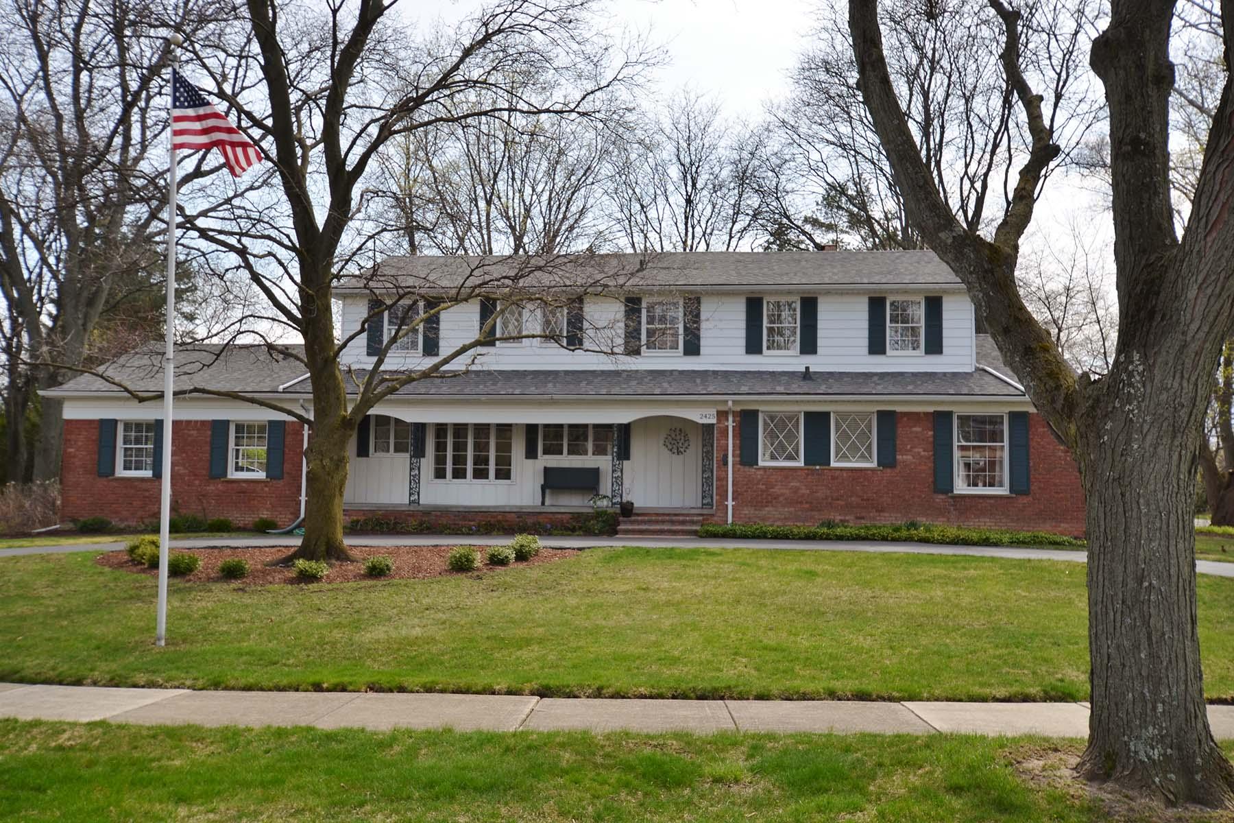 Nhà ở một gia đình vì Bán tại Bloomfield 2425 Bradway Bloomfield, Michigan, 48301 Hoa Kỳ