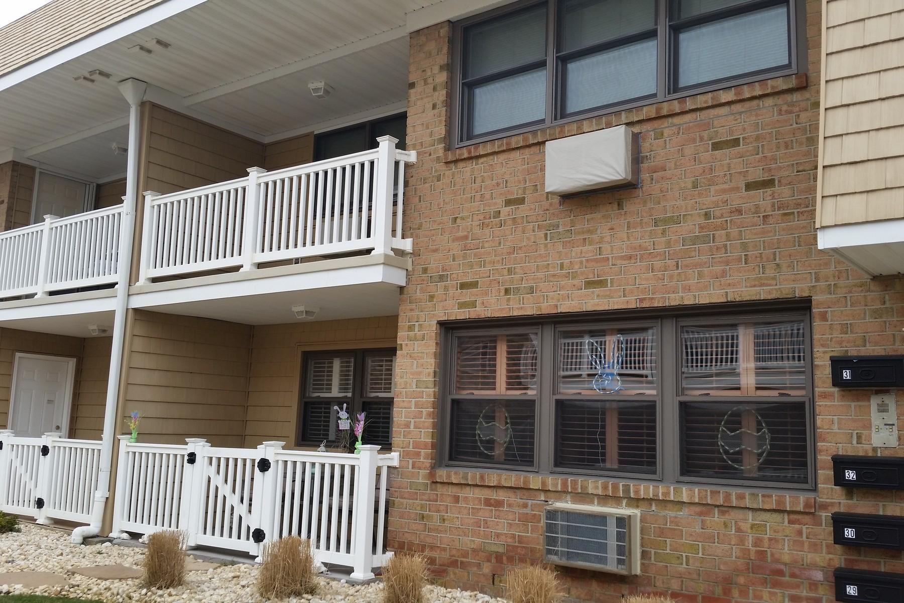 共管式独立产权公寓 为 销售 在 The Fountains 1340-29 Ocean Ave Sea Bright, 新泽西州, 07760 美国