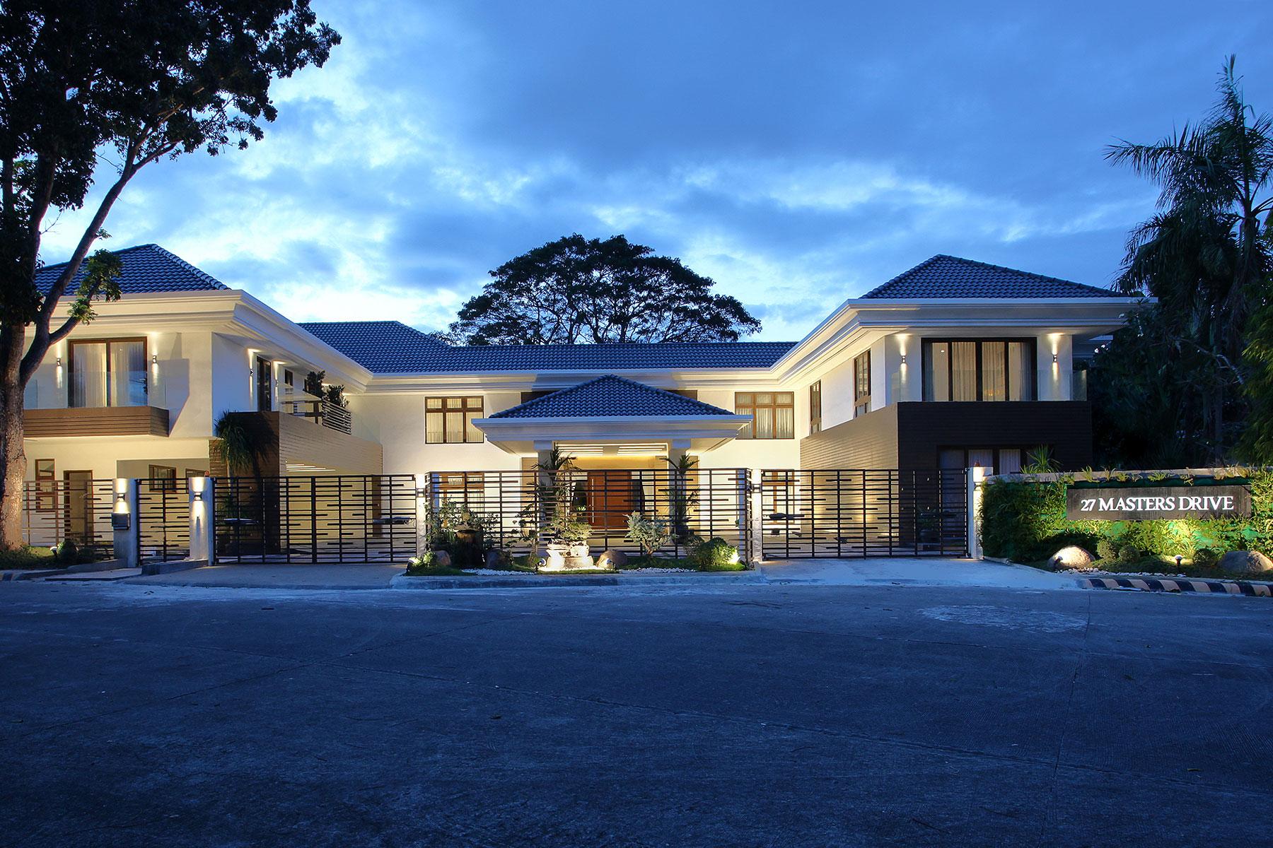 一戸建て のために 売買 アット Magnificent 9 Bedroom Golfer's Paradise, Manila Southwoods Property 27-29 Masters Drive Southwoods Residential Estates, Carmona, Cavite Other Cities In Philippines, Other Areas In Philippines 4116 フィリピン