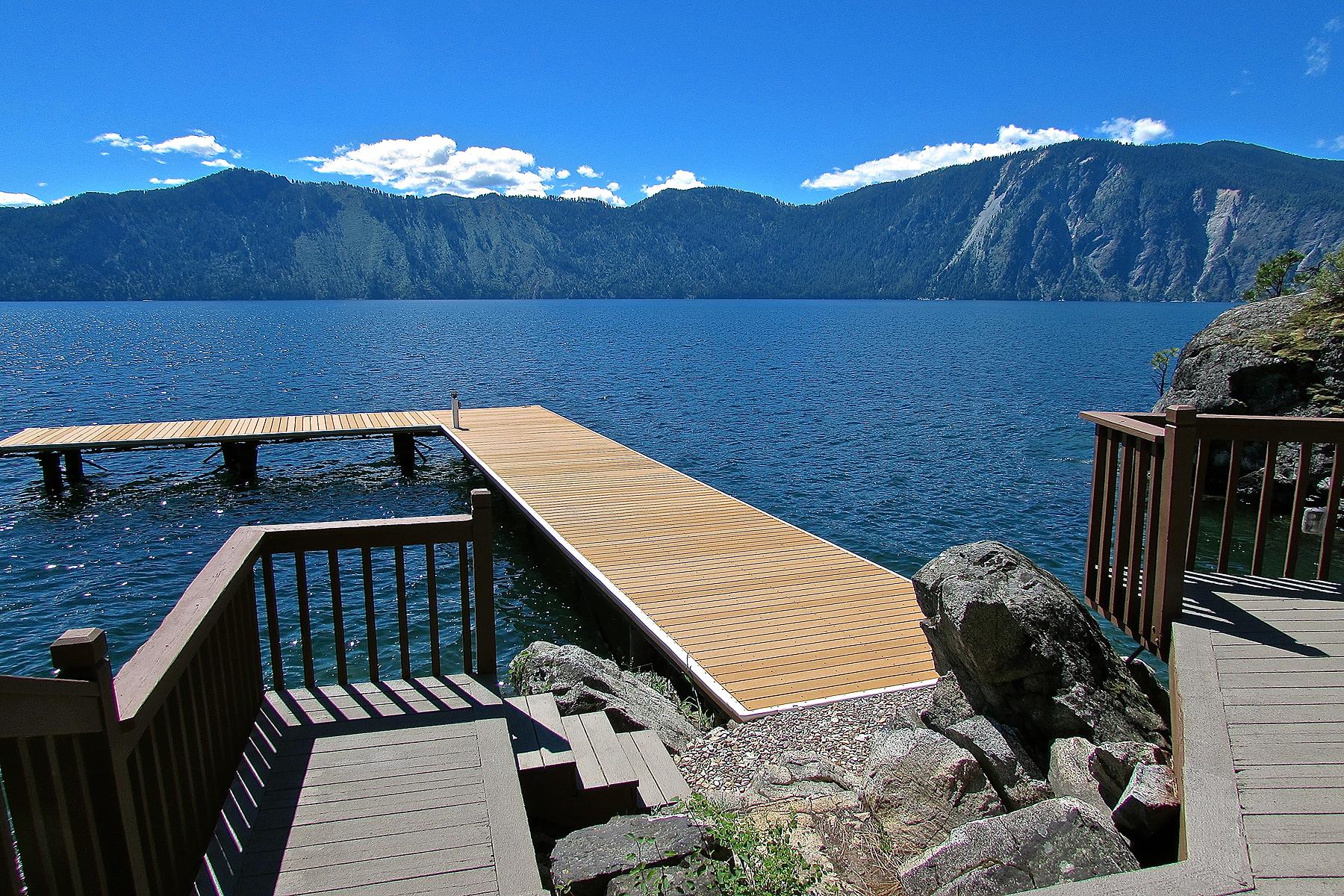 단독 가정 주택 용 매매 에 Magnificent Lakeviews- Private Waterfront 68 Grandview Lane Bayview, 아이다호, 83803 미국