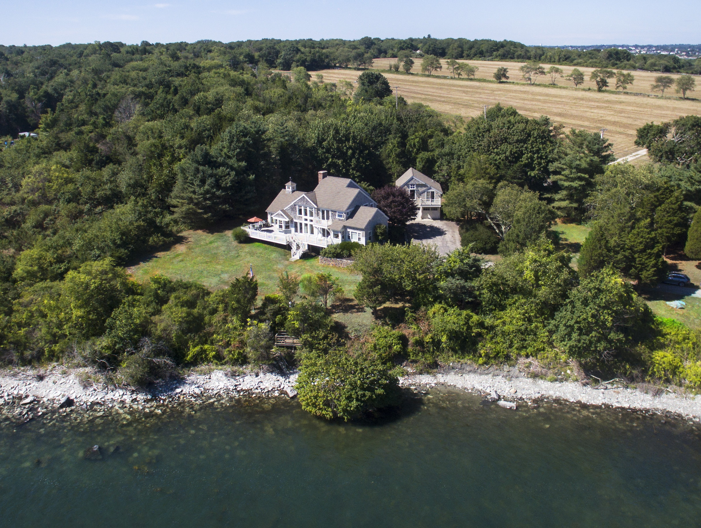 Maison unifamiliale pour l Vente à Beavertail Point 115 Beavertail Road Jamestown, Rhode Island, 02835 États-Unis