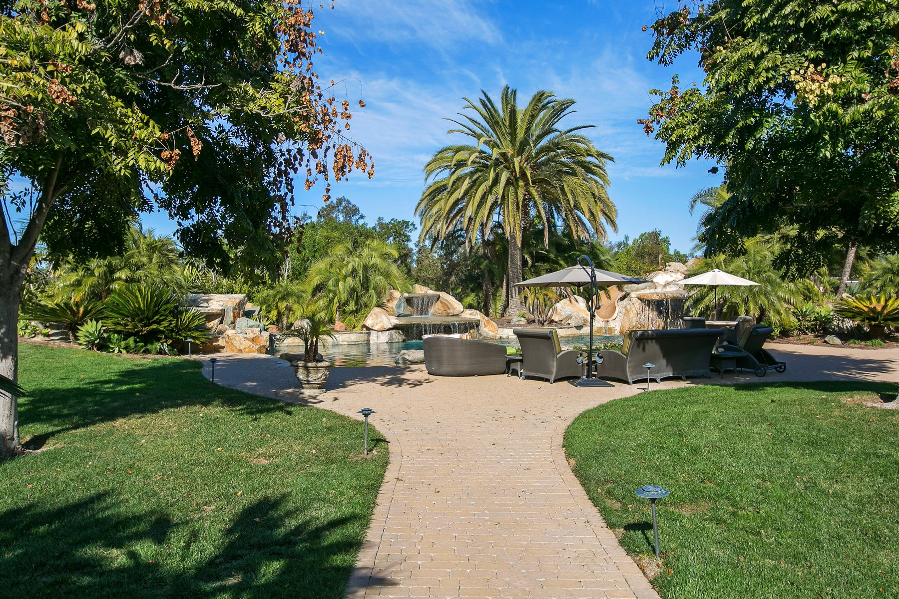 Additional photo for property listing at 15876 The River Trail  Rancho Santa Fe, California 92067 United States