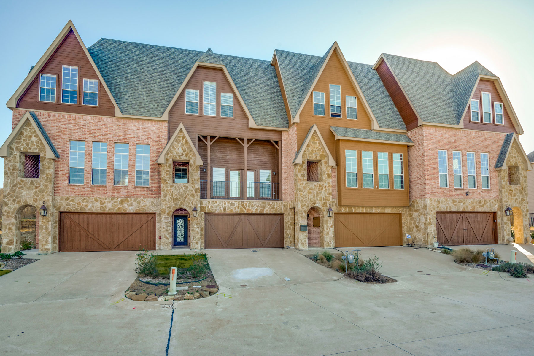 타운하우스 용 매매 에 Luxury 3-Story Townhome in Bellaire Village 6637 Lost Star Lane Fort Worth, 텍사스, 76132 미국