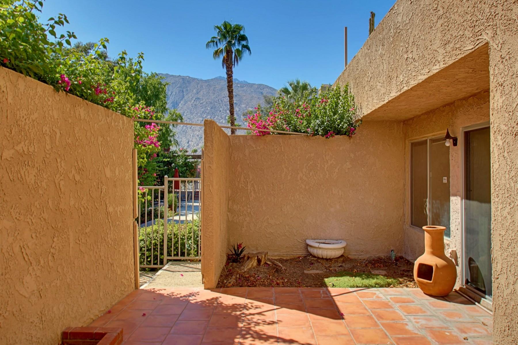 Copropriété pour l Vente à 280 South Avenida Caballeros #123 Palm Springs, Californie 92262 États-Unis