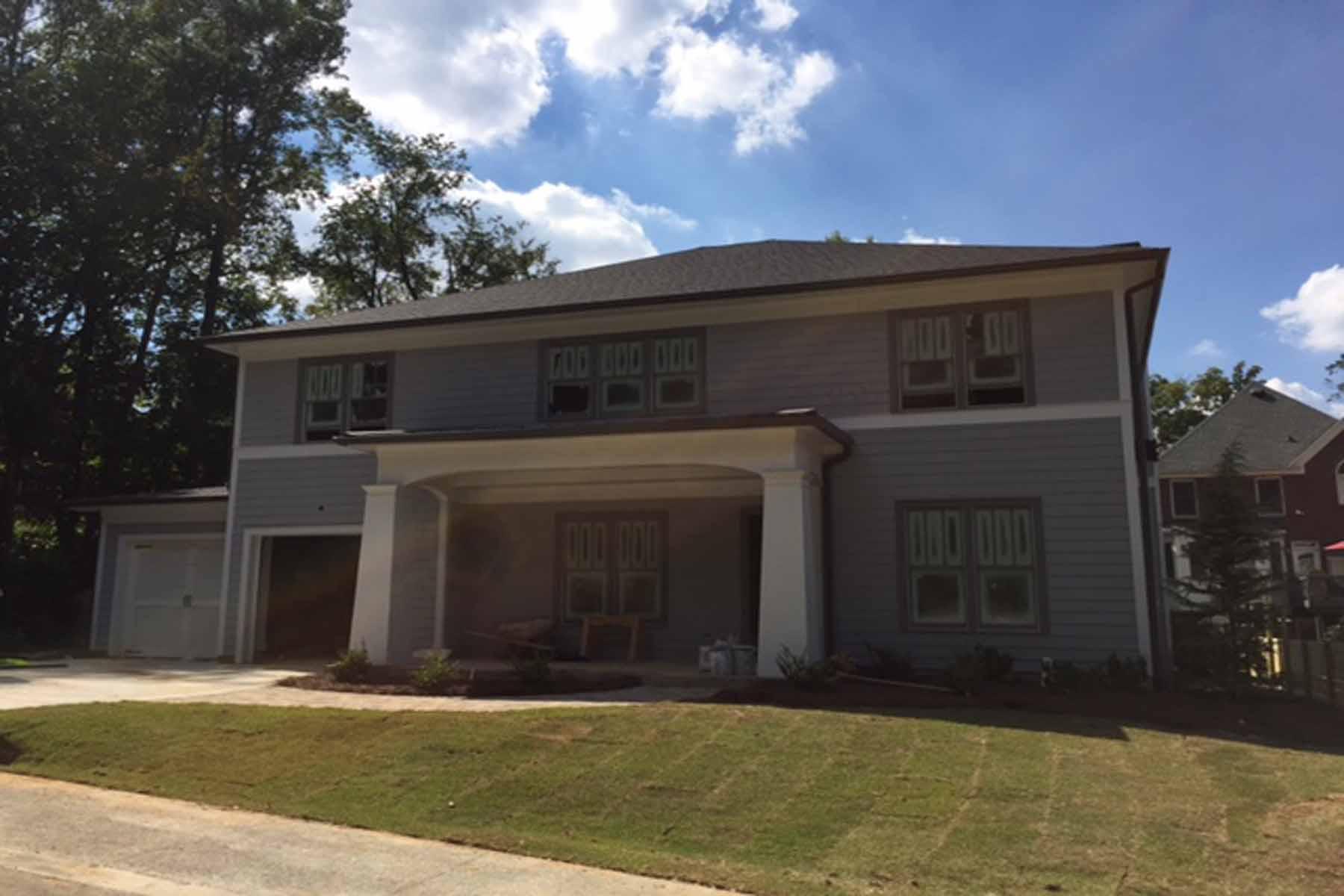 Casa para uma família para Venda às Spacious Two-Story Cul-de-Sac Home in Sheridan Estates 1185 Sheridan Road NE Lot 2 Atlanta, Geórgia, 30324 Estados Unidos