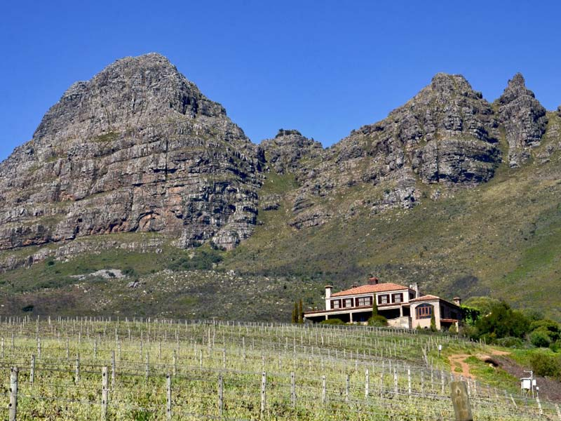 Villa per Vendita alle ore Famous Wine Farm perched high above Stellenbosch Stellenbosch, Capo Occidentale 7600 Sudafrica