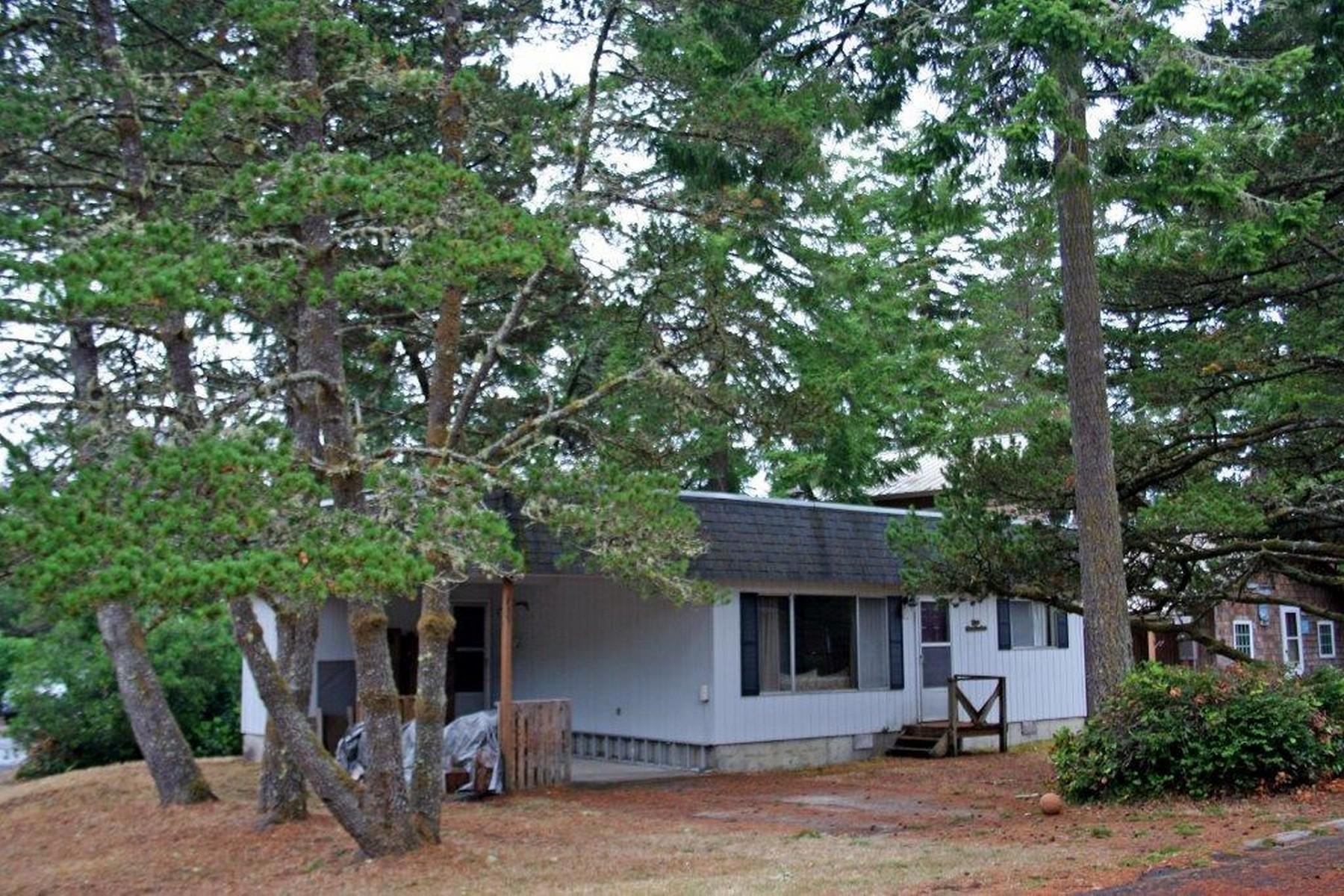 Nhà ở một gia đình vì Bán tại In The Heart of Manzanita Village 492 Laurel Avenue Manzanita, Oregon 97130 Hoa Kỳ