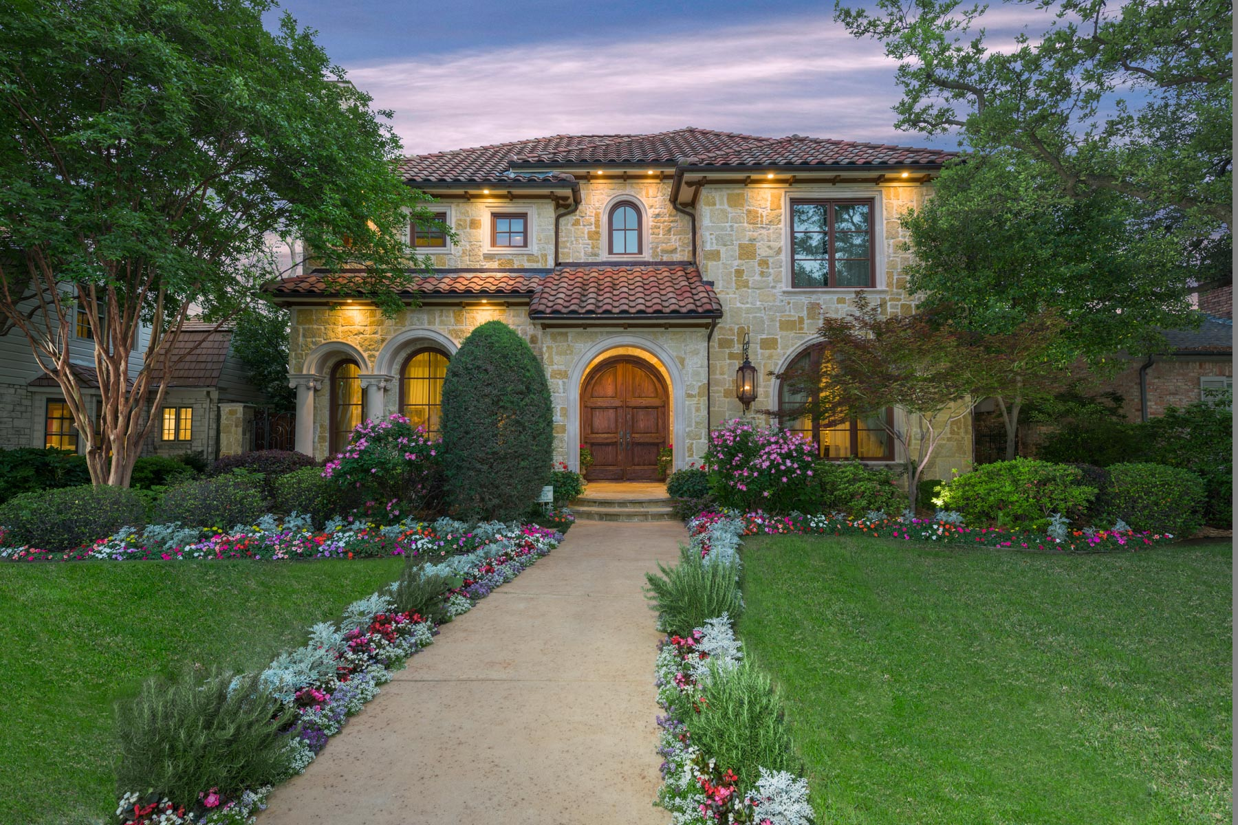 Maison unifamiliale pour l Vente à University Park Mediterranean 3921 Windsor Avenue Dallas, Texas, 75205 États-Unis