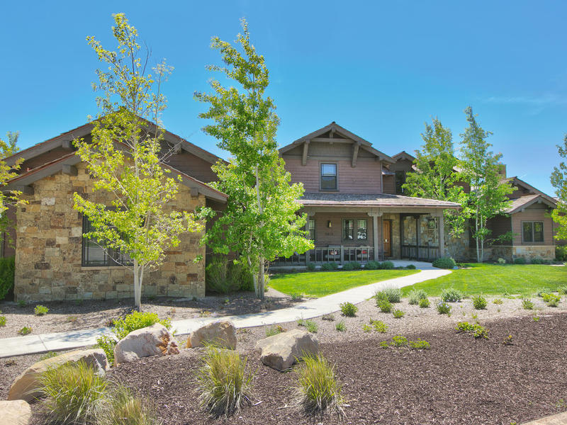 Villa per Vendita alle ore Exquisite Home in a Private Golf Course Community 3012 E Painted Bear Trl Heber City, Utah 84036 Stati Uniti
