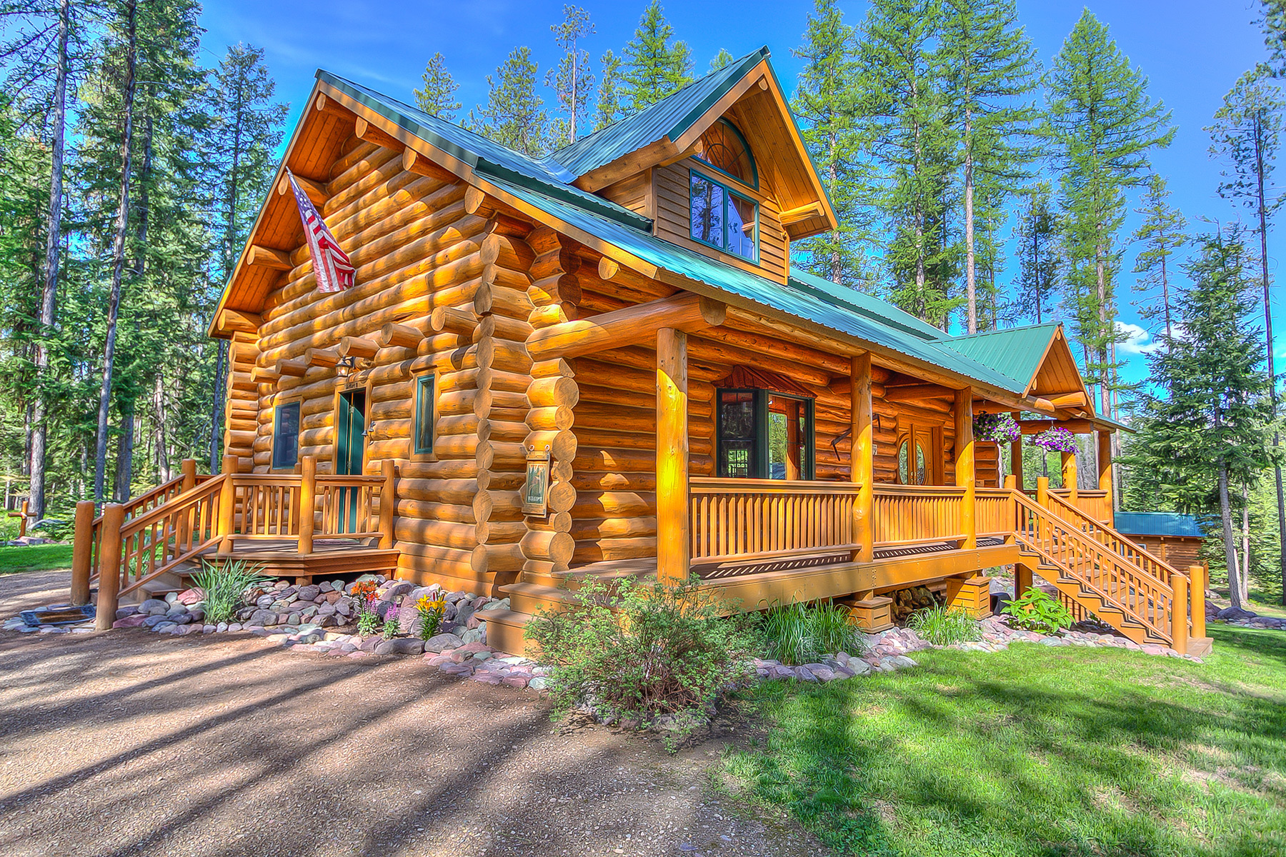 Casa para uma família para Venda às 4600 Lindbergh Lake Road Seeley Lake, Montana 59868 Estados Unidos