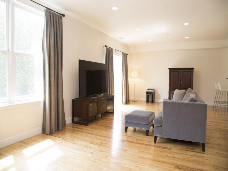 Nhà chung cư vì Bán tại Luxury Duplex in Central Hoboken! 402 9th Street #E5H Hoboken, New Jersey 07030 Hoa Kỳ