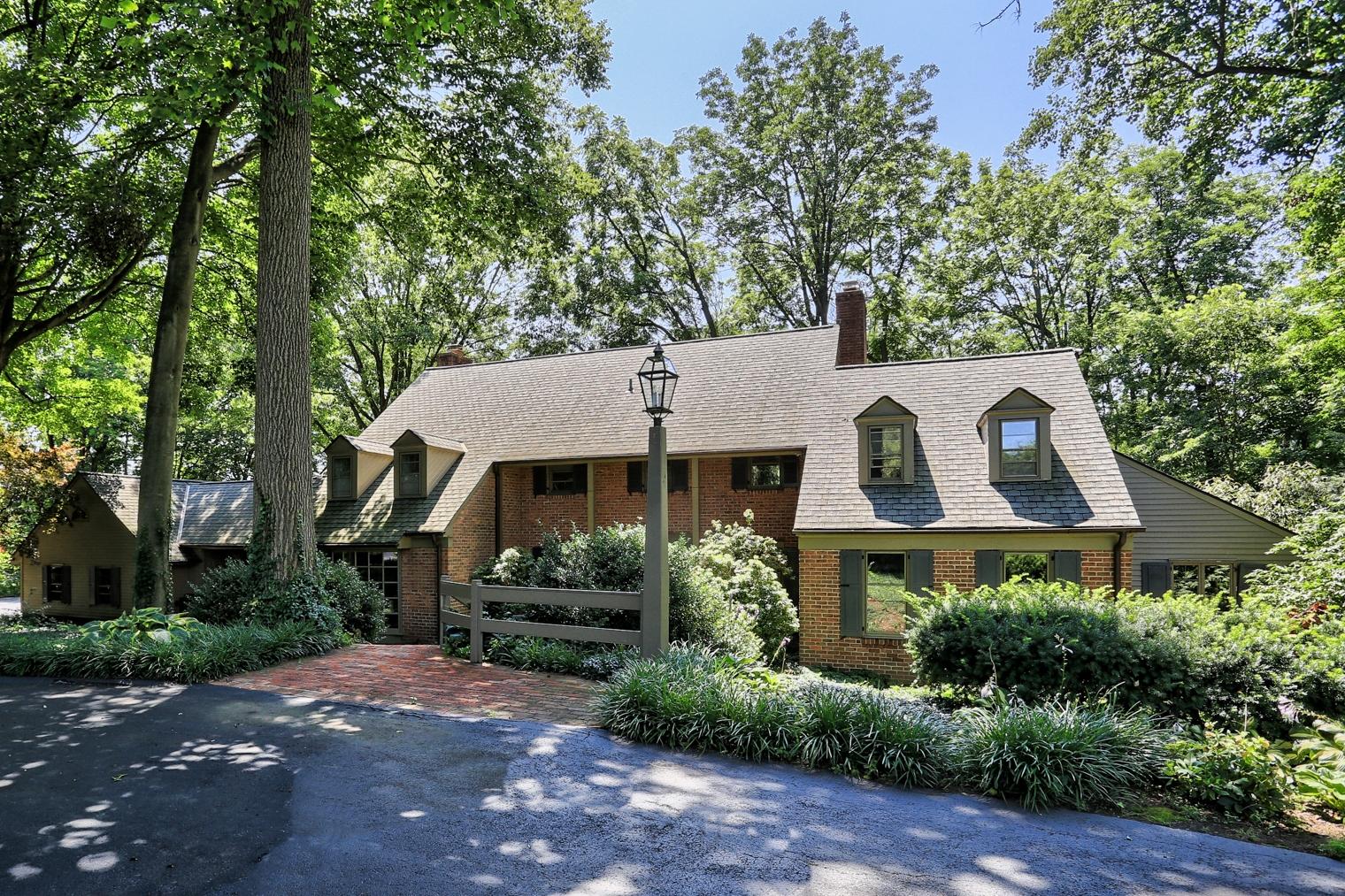 Single Family Home for Sale at 195 Eshelman road Lancaster, Pennsylvania 17601 United States