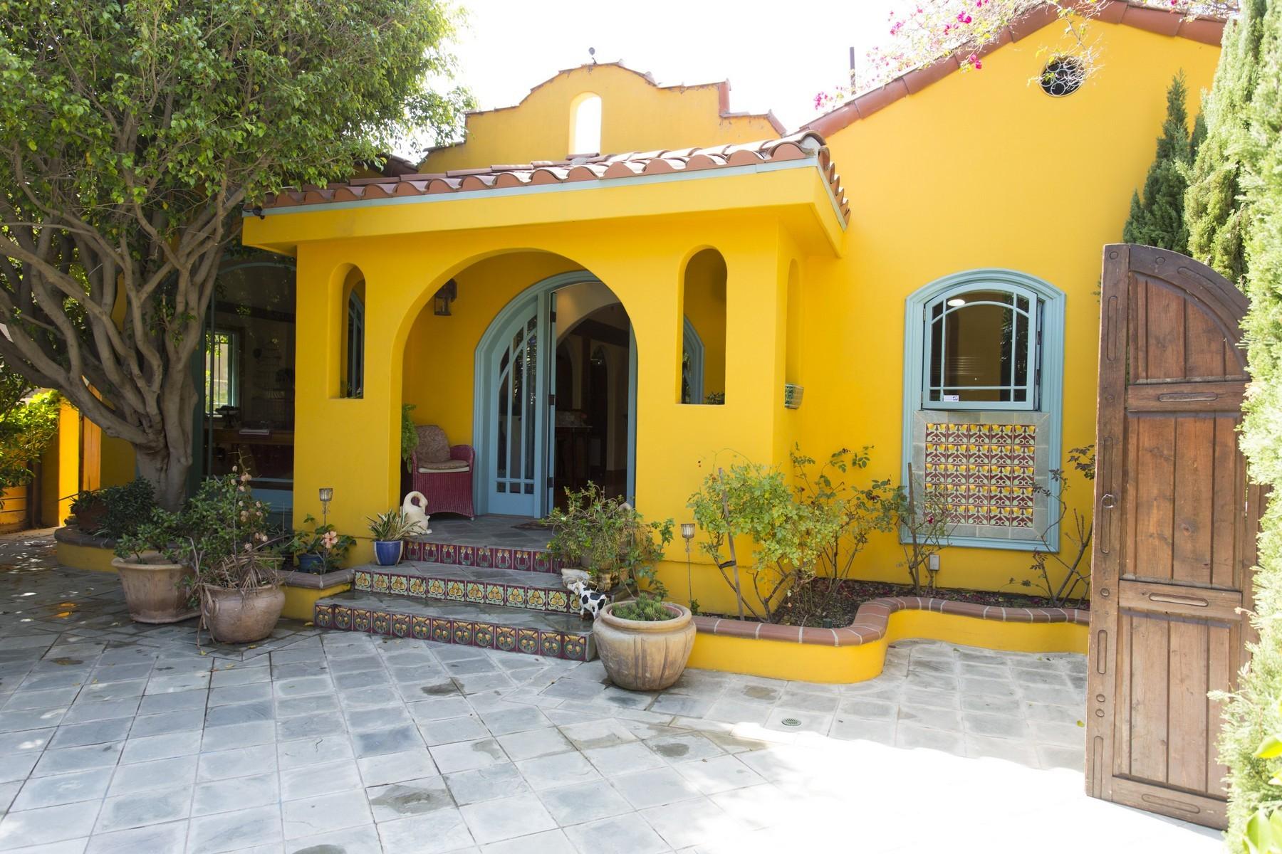 Casa para uma família para Venda às 702 14th St 702 14th Street Santa Monica, Califórnia, 90402 Estados Unidos