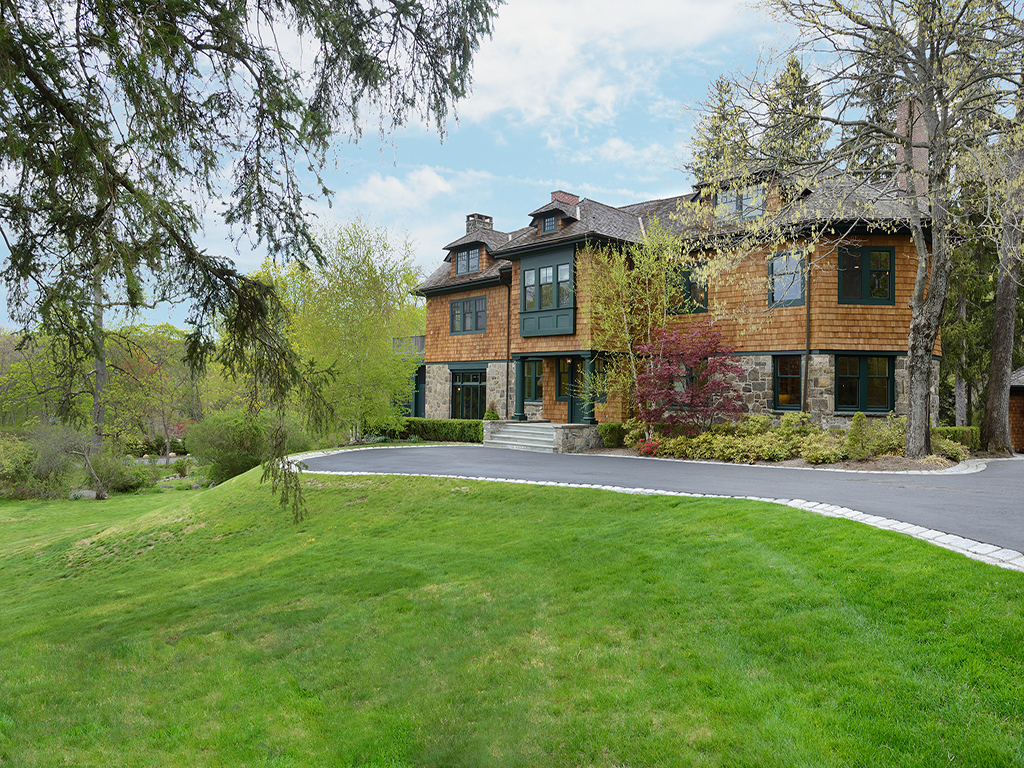 Single Family Home for Sale at Amber Oaks 122 Circuit Road Tuxedo Park, New York 10987 United States