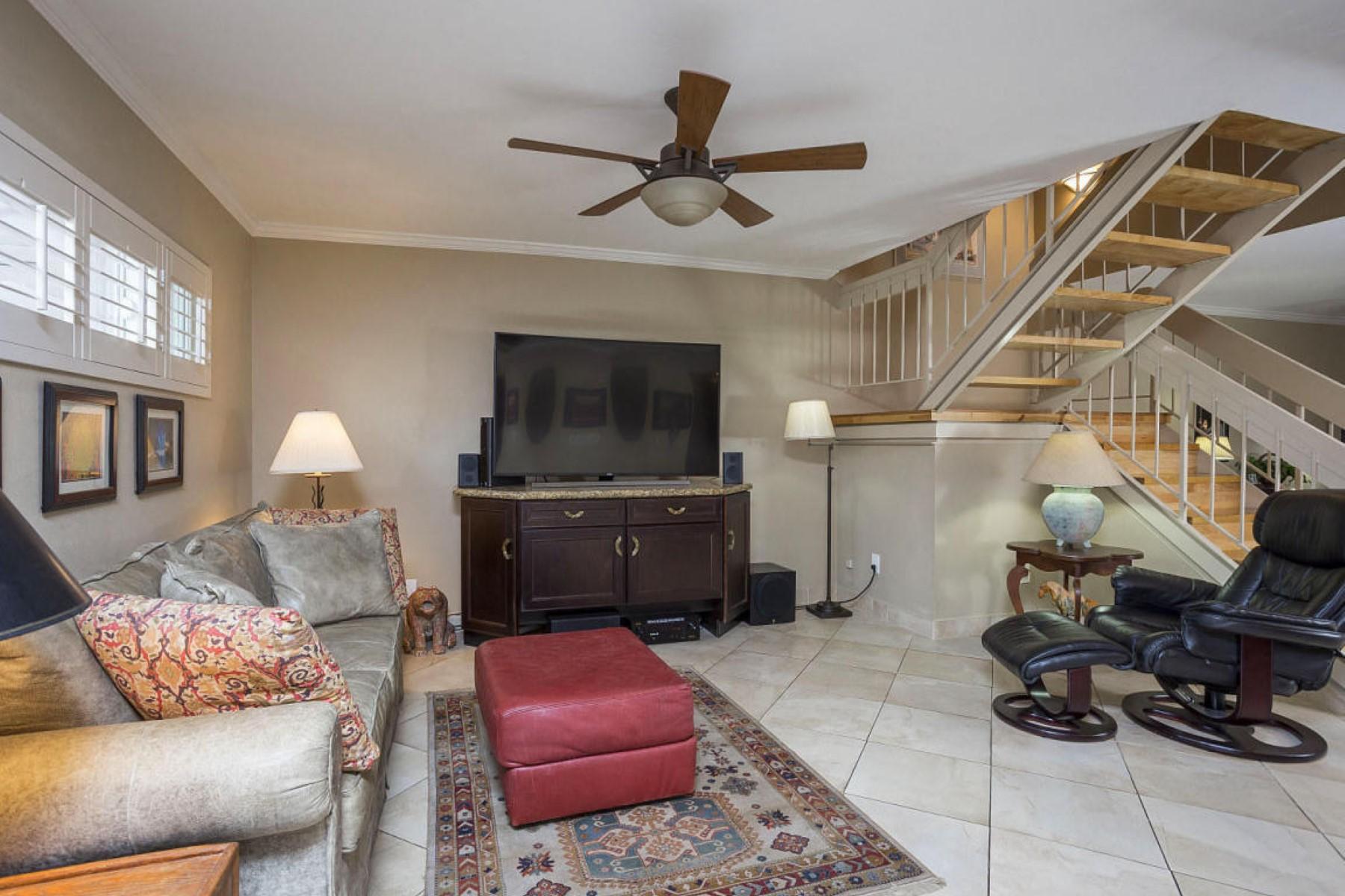 Maison de ville pour l Vente à Property is in immaculate condition 5634 N 79th Way 5 Scottsdale, Arizona 85250 États-Unis