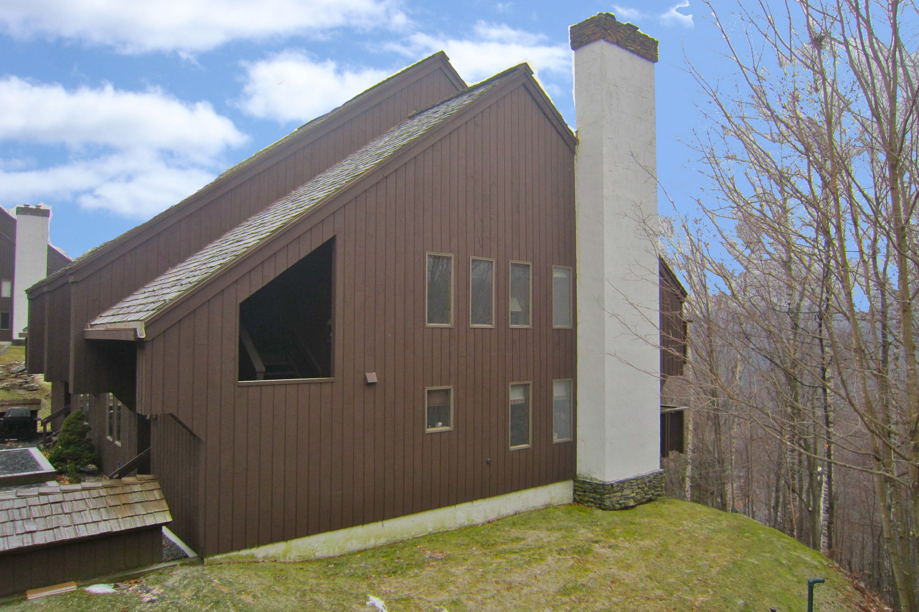 Condominium for Sale at Exclusive Hawk Resort Condo 145 Blueberry Ridge Road Unit 49 Plymouth, Vermont 05056 United States