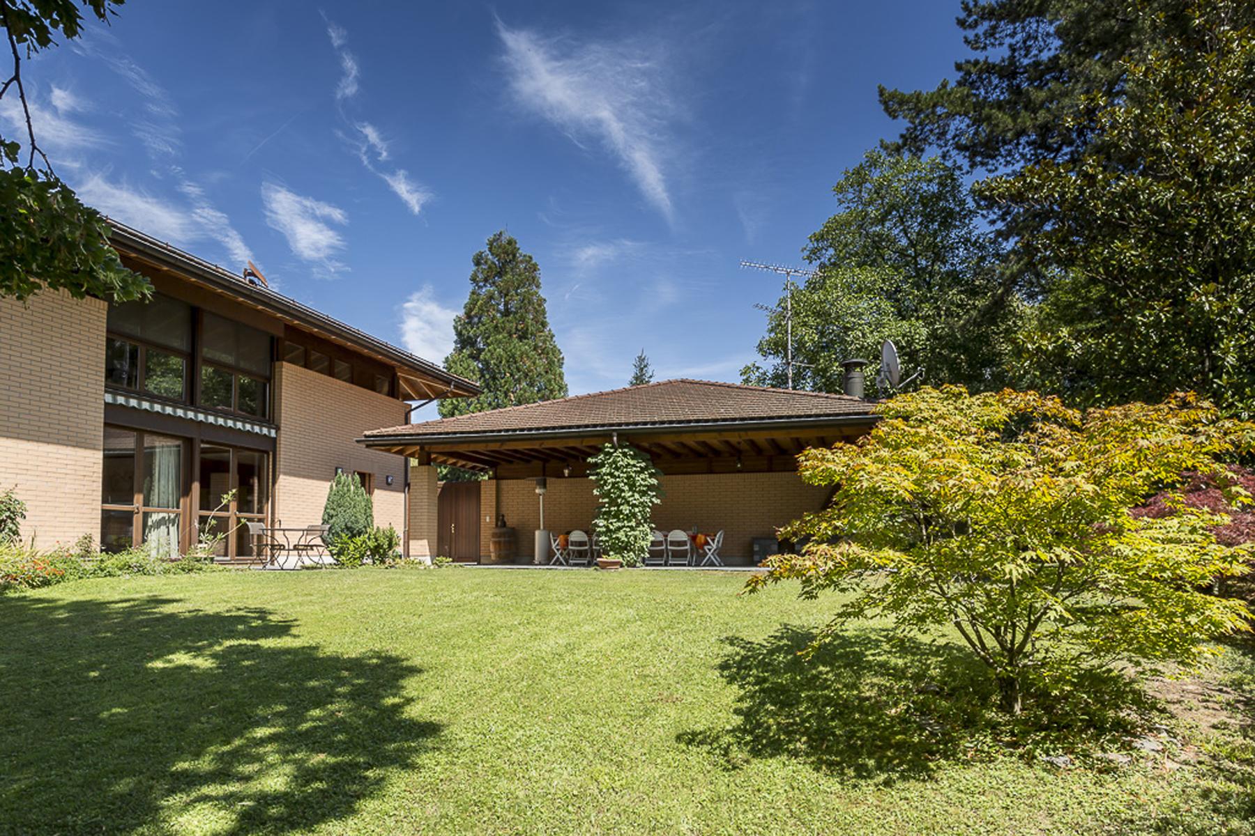 Mehrfamilienhaus für Verkauf beim Contemporary property with lake view Collonge-Bellerive, Genf 1245 Schweiz