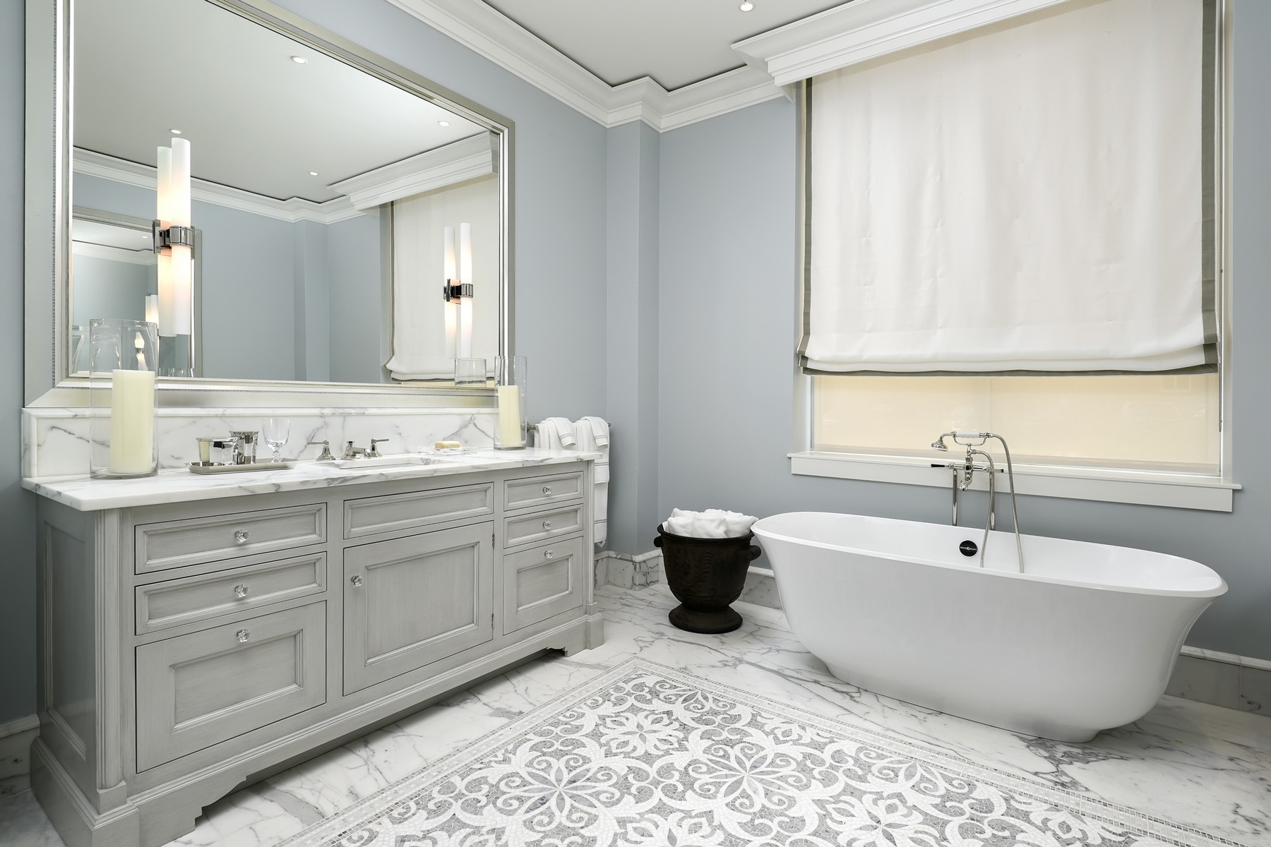 Additional photo for property listing at The Gold Coast's Newest and Finest Building 9 W Walton Street Unit 2001 Chicago, Illinois 60610 United States