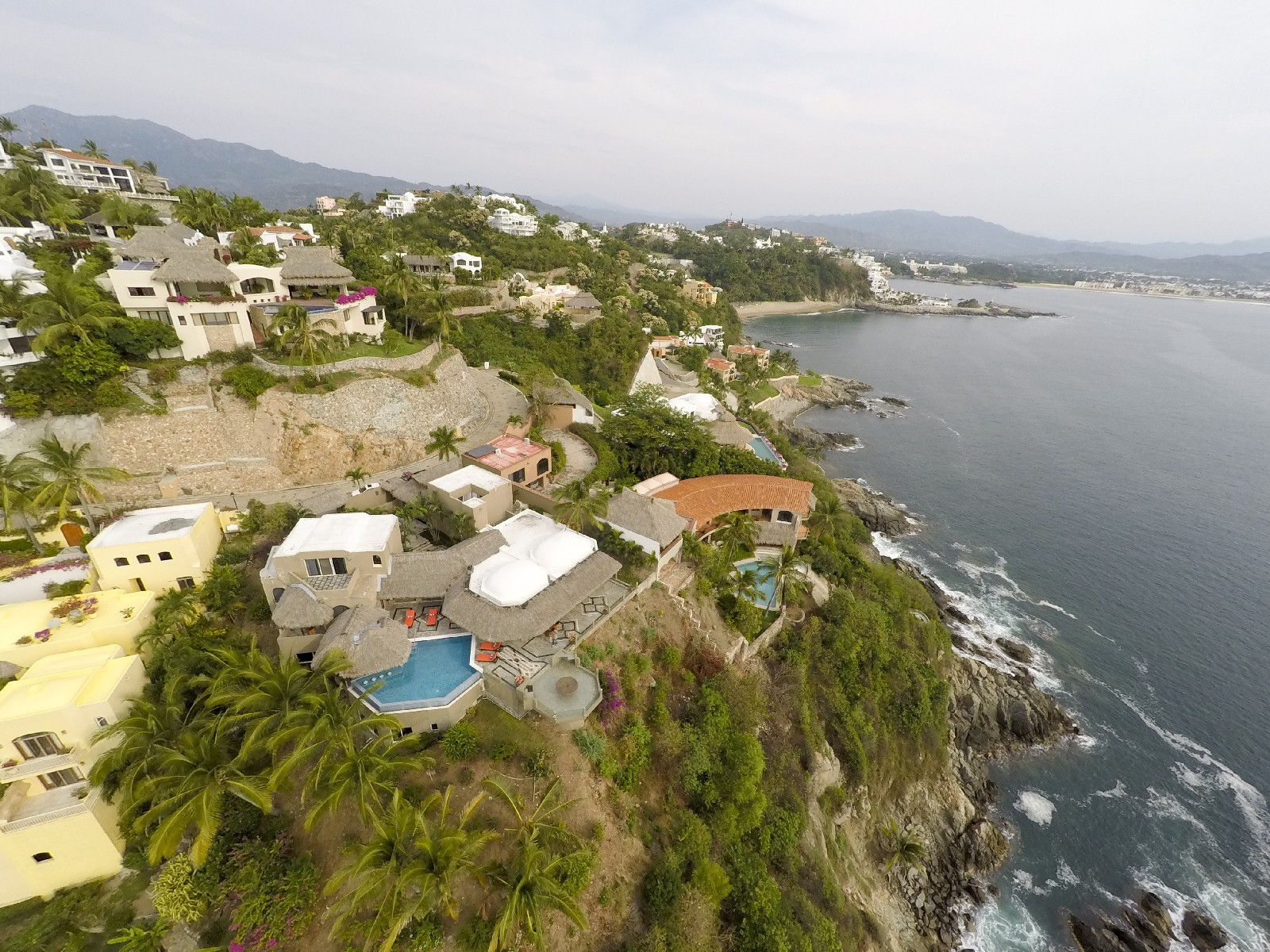 Additional photo for property listing at Casa Vista Hermosa Curso de las Tormentas 25 Manzanillo, Colima 28867 Mexico