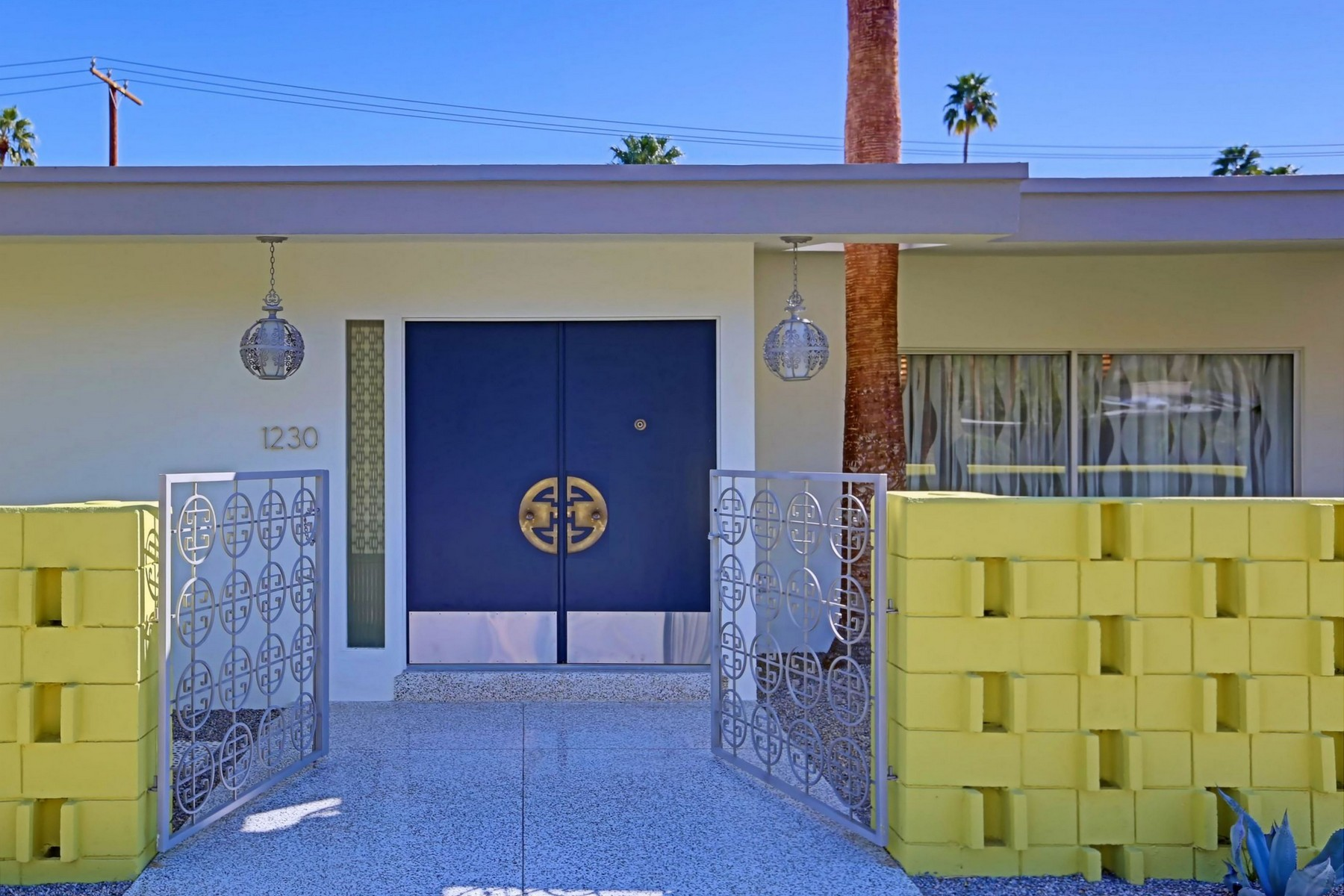 Single Family Home for Sale at 1230 West Calle De Maria Palm Springs, California, 92264 United States