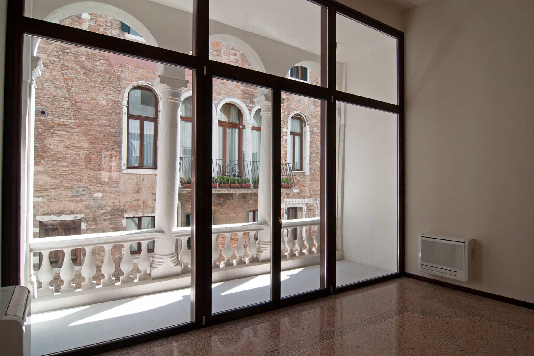 Additional photo for property listing at Burano apartment at Palazzo Garzoni Moro Venice, Venice Italy