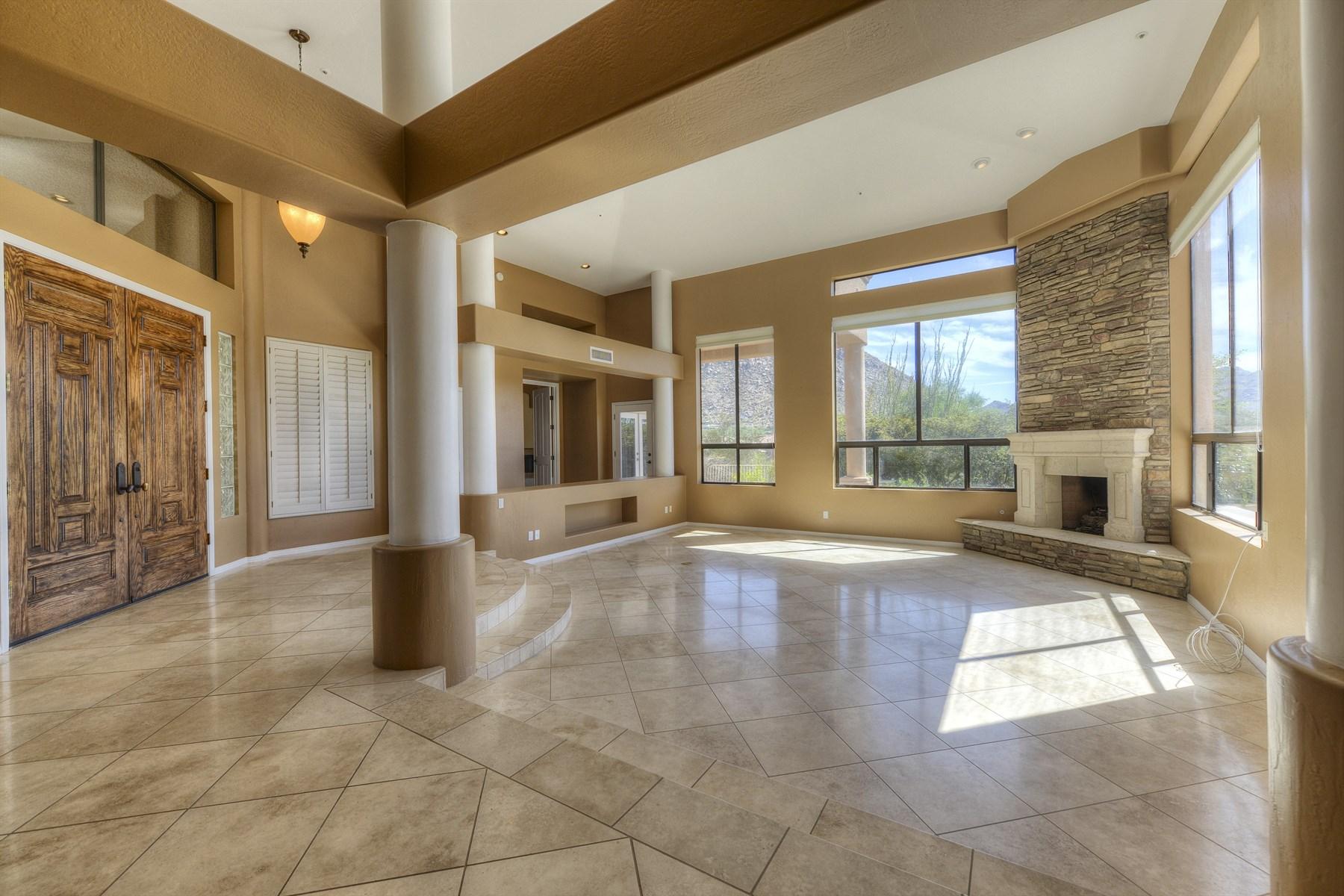 Частный односемейный дом для того Продажа на tunning Views of Troon Mountain and the McDowell's 25630 N 104th Way Scottsdale, Аризона 85255 Соединенные Штаты