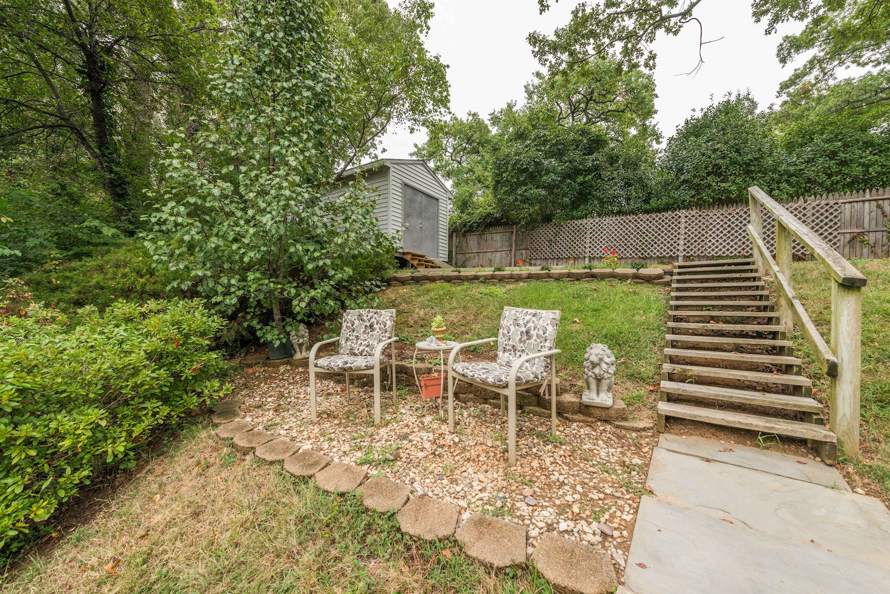 Additional photo for property listing at 7113 Fort Hunt Road, Alexandria 7113 Fort Hunt Rd Alexandria, Virginia 22307 Estados Unidos