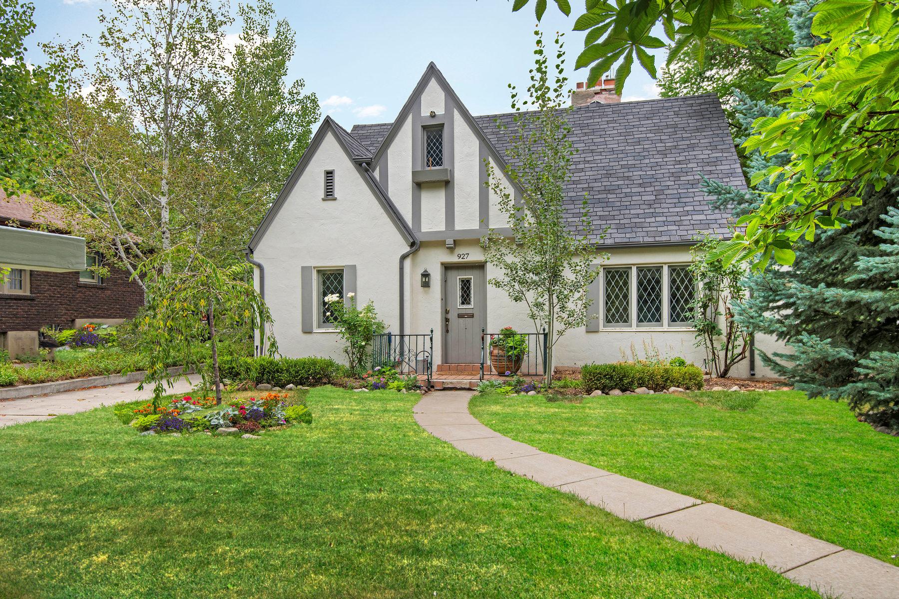 Villa per Vendita alle ore Rare Remodeled Tudor Secluded On Red Butte Creek 927 S Diestel Rd Salt Lake City, Utah 84105 Stati Uniti