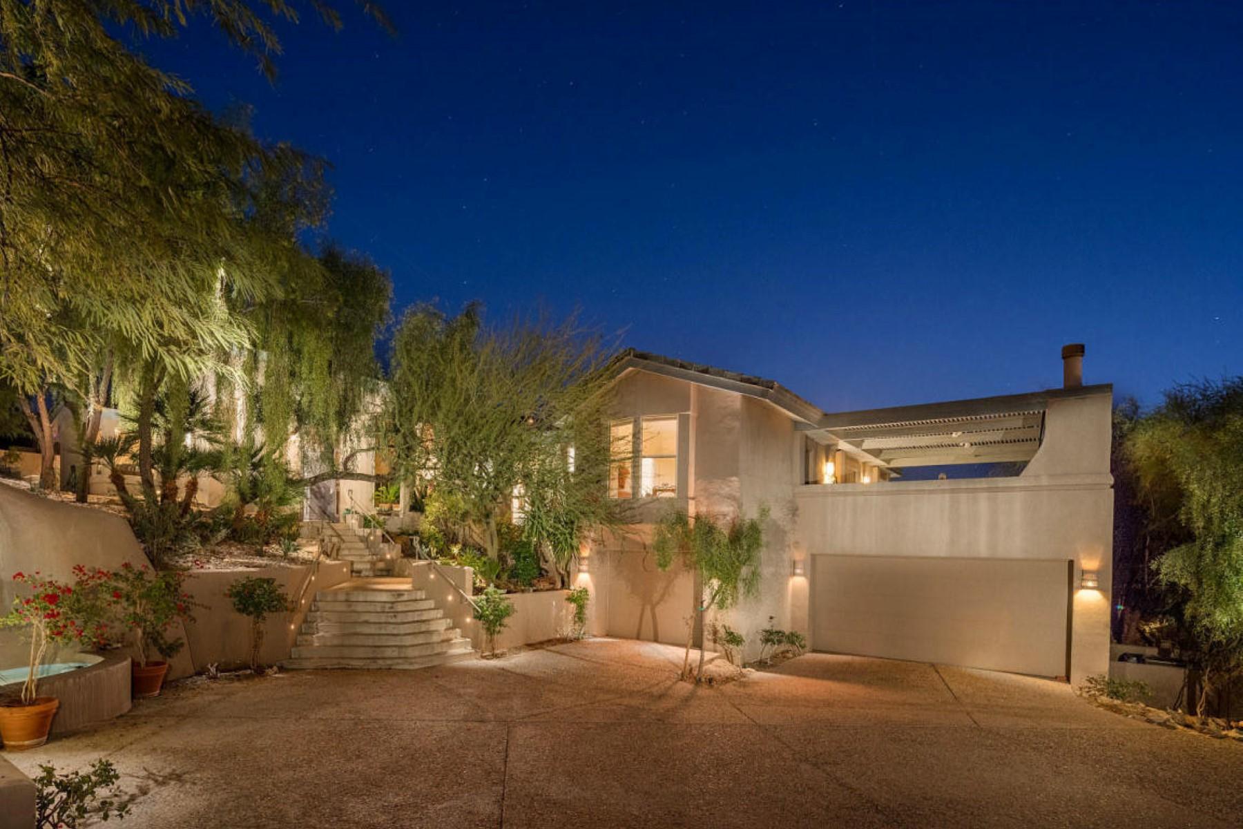 Частный односемейный дом для того Продажа на A stunning Paradise Valley gem 7007 N 59th Pl Paradise Valley, Аризона, 85253 Соединенные Штаты
