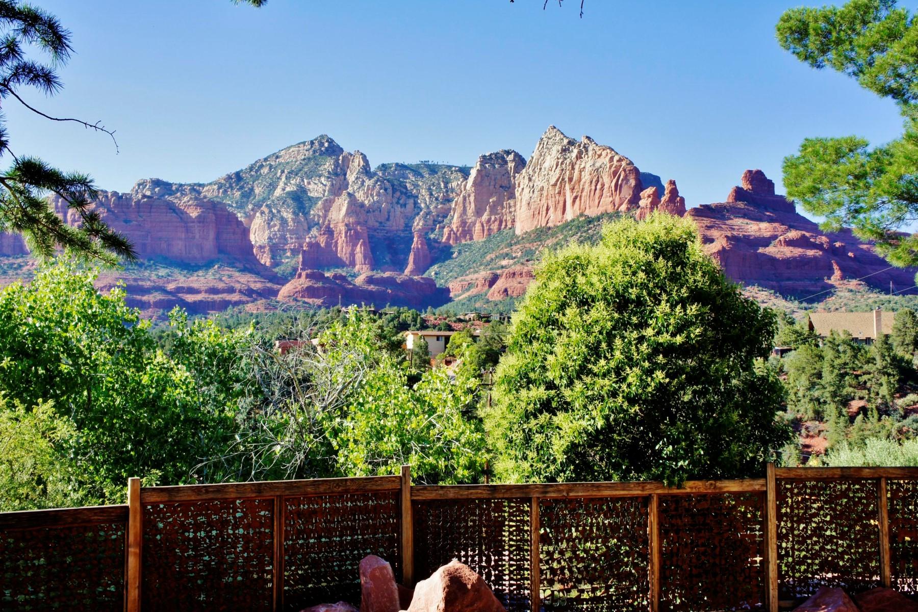 Single Family Home for Sale at Beautifully distinctive home with panoramic views. 583 Circle Drive Sedona, Arizona 86336 United States