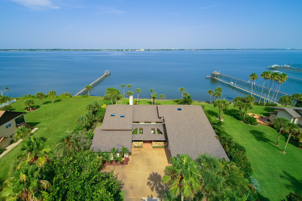 Single Family Home for Sale at Waterford Bay 216 The Road to Waterford Bay, Melbourne Beach, Florida 32951 United States