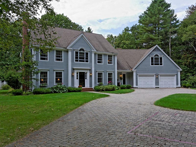Single Family Home for Sale at 20 Stonegate Road Cape Elizabeth, Maine 04107 United States