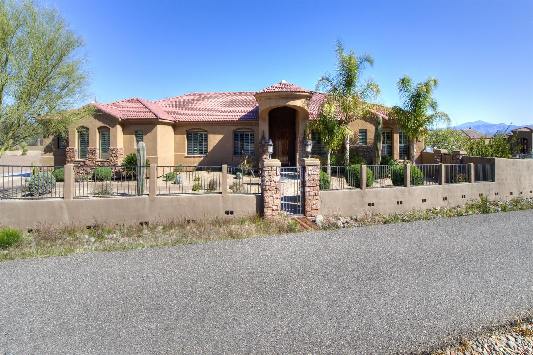 Vivienda unifamiliar por un Venta en Privately Gated Custom Tuscan Style North Scottsdale Home 28427 N 136th Street Scottsdale, Arizona 85262 Estados Unidos