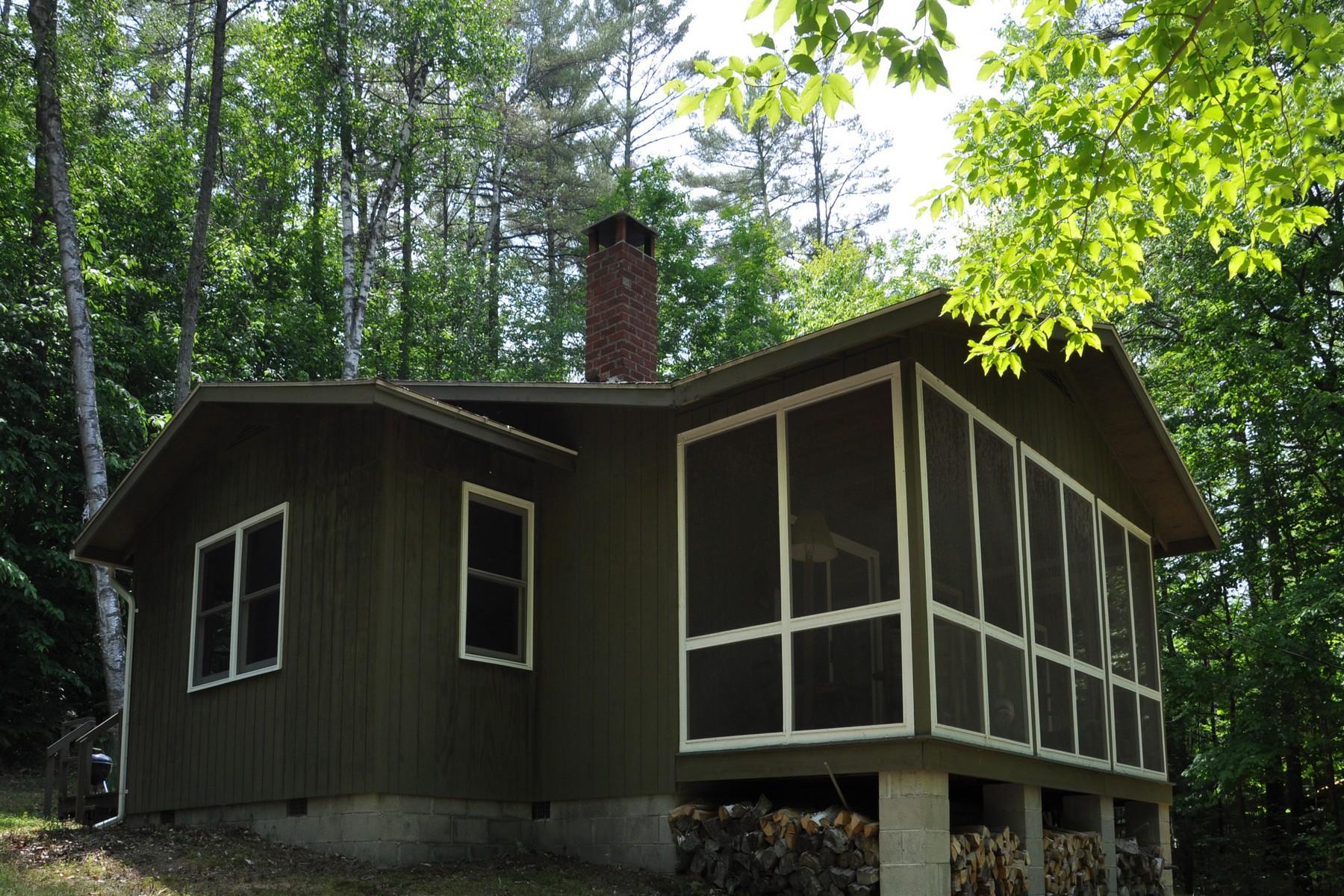 獨棟家庭住宅 為 出售 在 Hillside Ranch on Loon Lake 138 Marina Road Chester, 紐約州 12817 美國