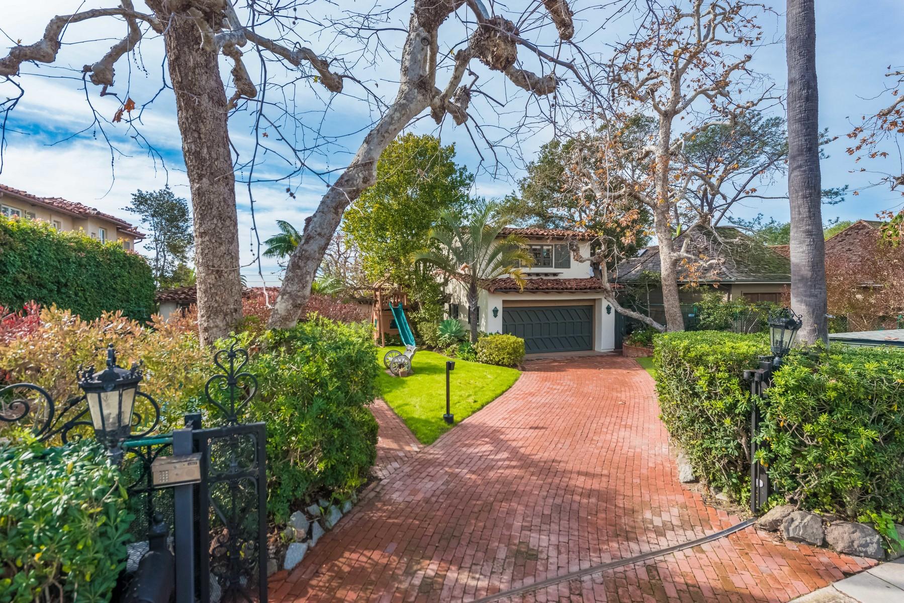 独户住宅 为 销售 在 6116 Avenida Cresta 拉荷亚, 加利福尼亚州, 92037 美国