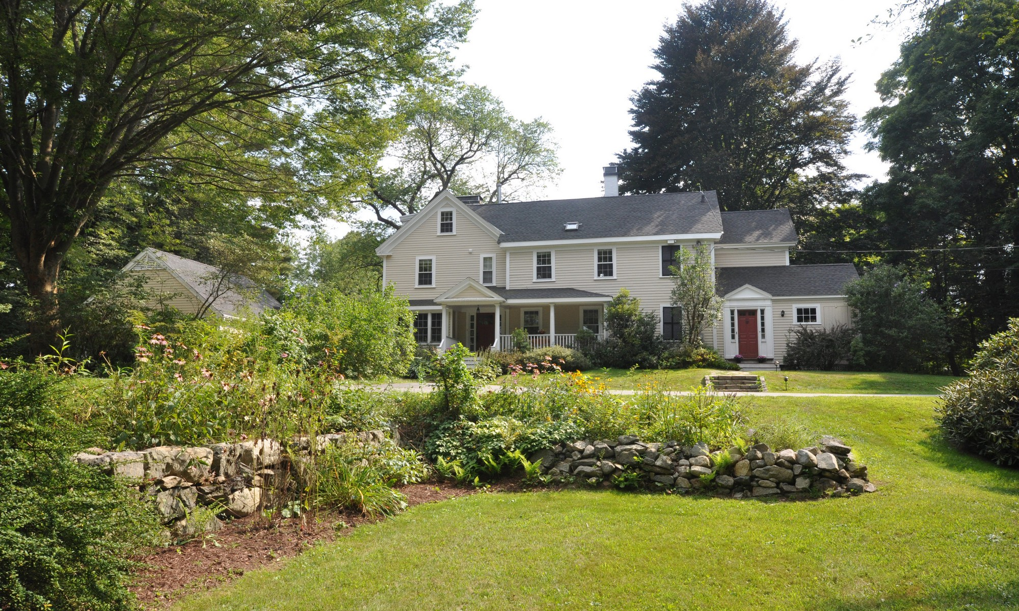 Single Family Home for Sale at Vermont Style Farmhouse 14 Winter Street Lincoln, Massachusetts 01773 United States