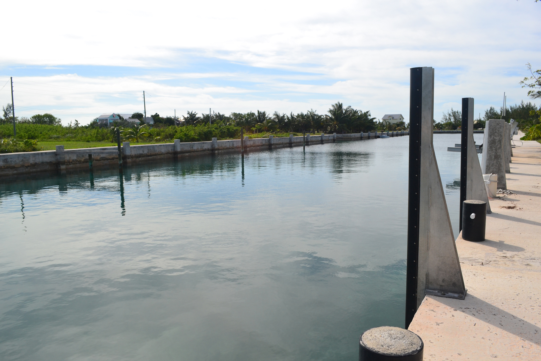 Additional photo for property listing at Canal Lot 11 - Pelican Bay Spanish Wells, Eleuthera Bahamas