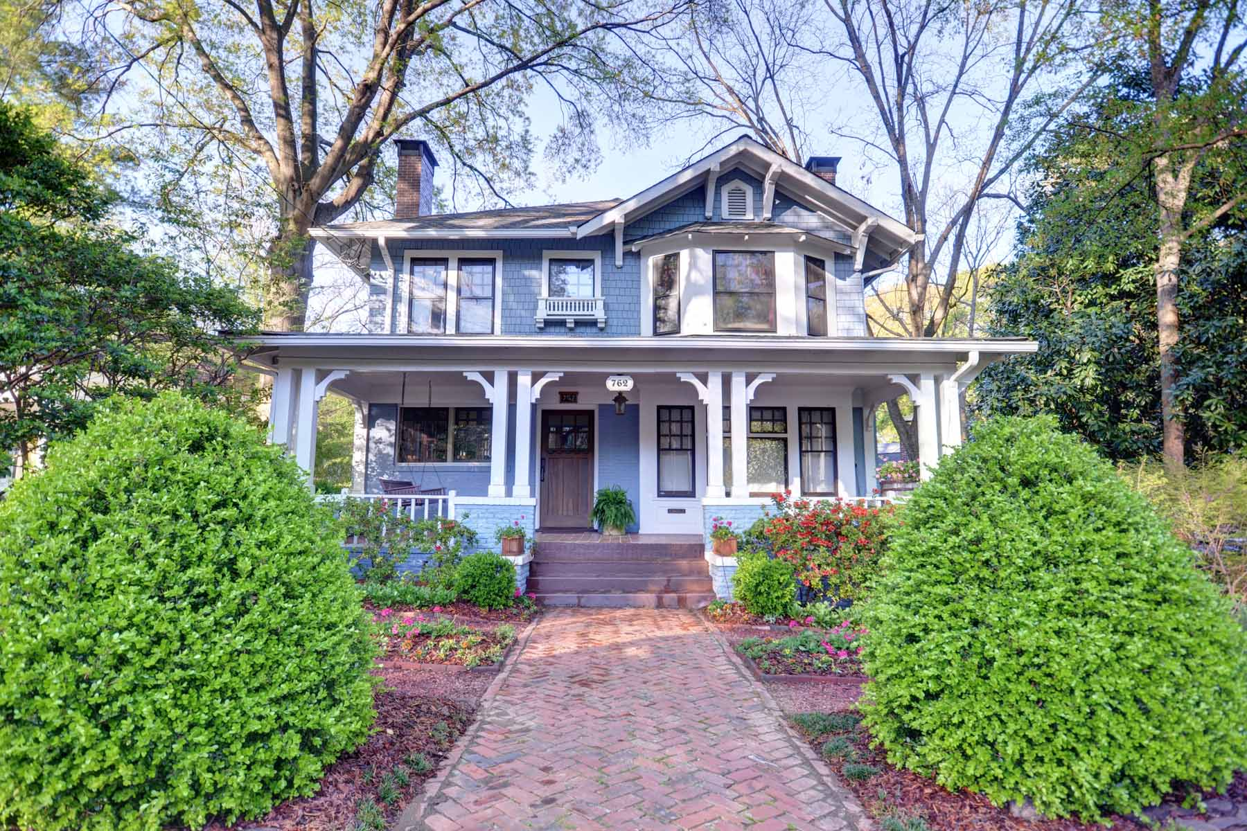 独户住宅 为 销售 在 Beautifully Restored 1910 Classic Midtown Home 762 Vedado Way NE Midtown, 亚特兰大, 乔治亚州, 30308 美国