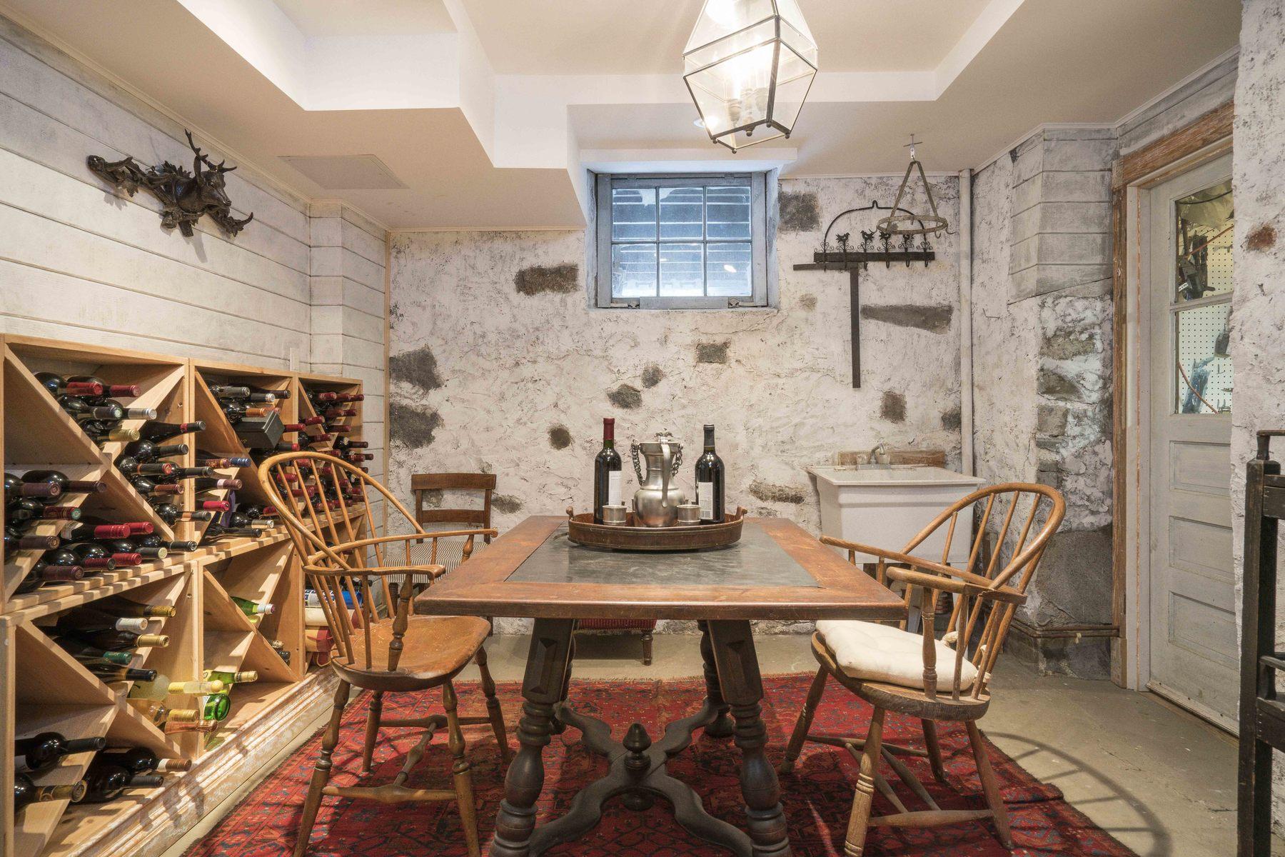 Частный односемейный дом для того Продажа на Come home to your own personal Shangri-La! 31 Parley Ave Jamaica Plain, Boston, Массачусетс, 02130 Соединенные Штаты