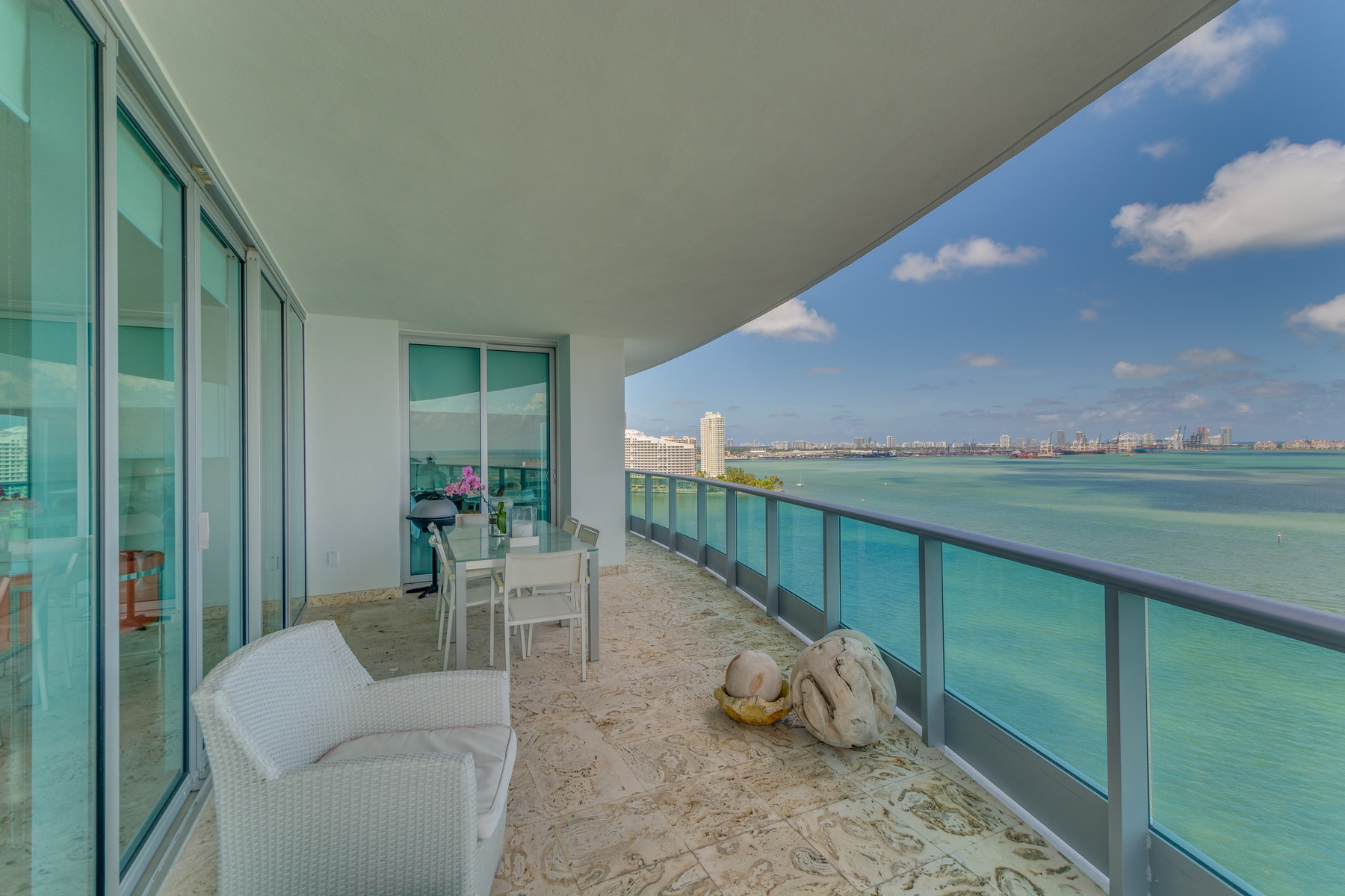 Property For Sale at 1331 Brickell Bay DR #1811