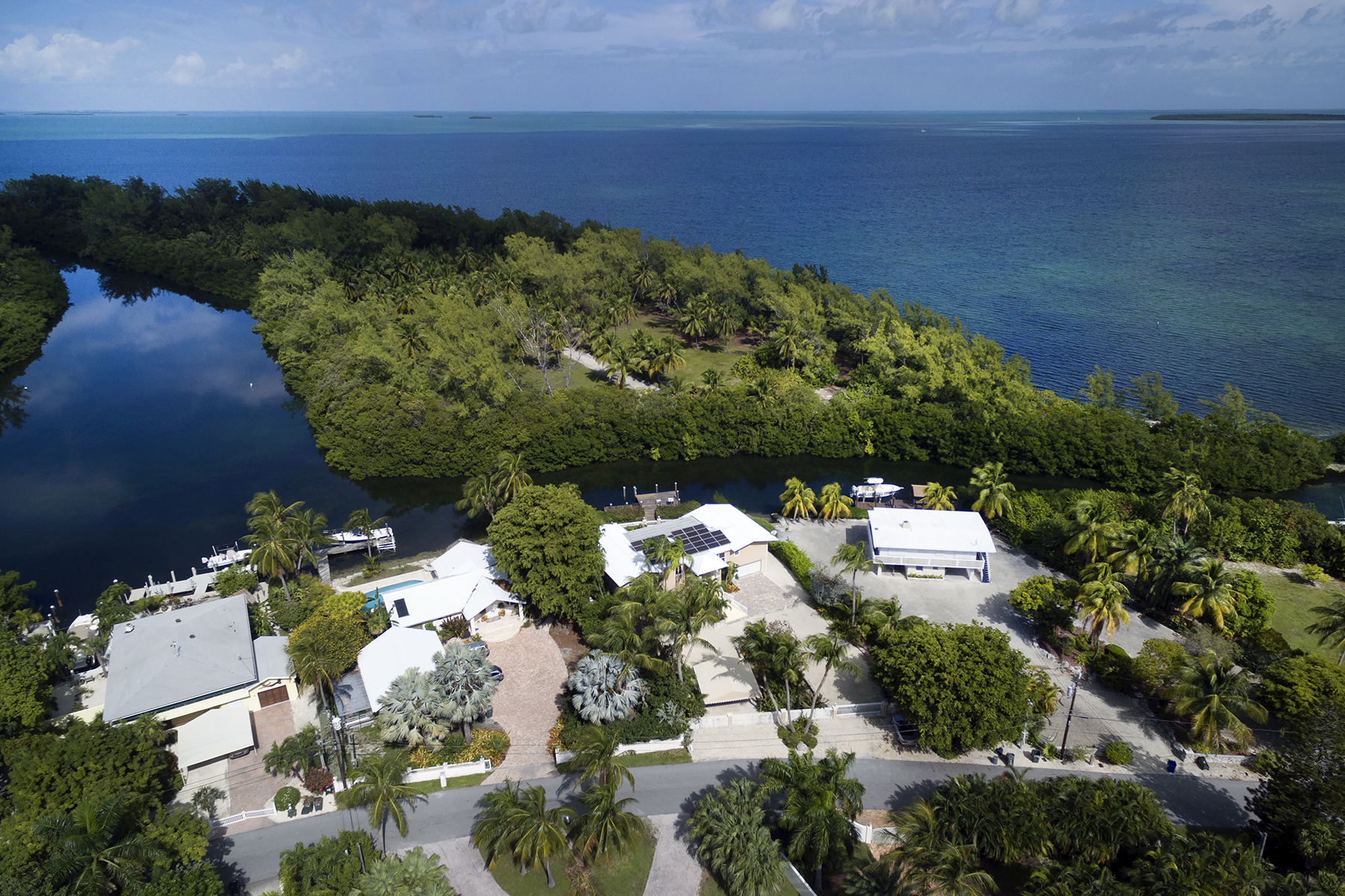 Additional photo for property listing at Private Setting 146 Sapodilla Drive Islamorada, 플로리다 33036 미국