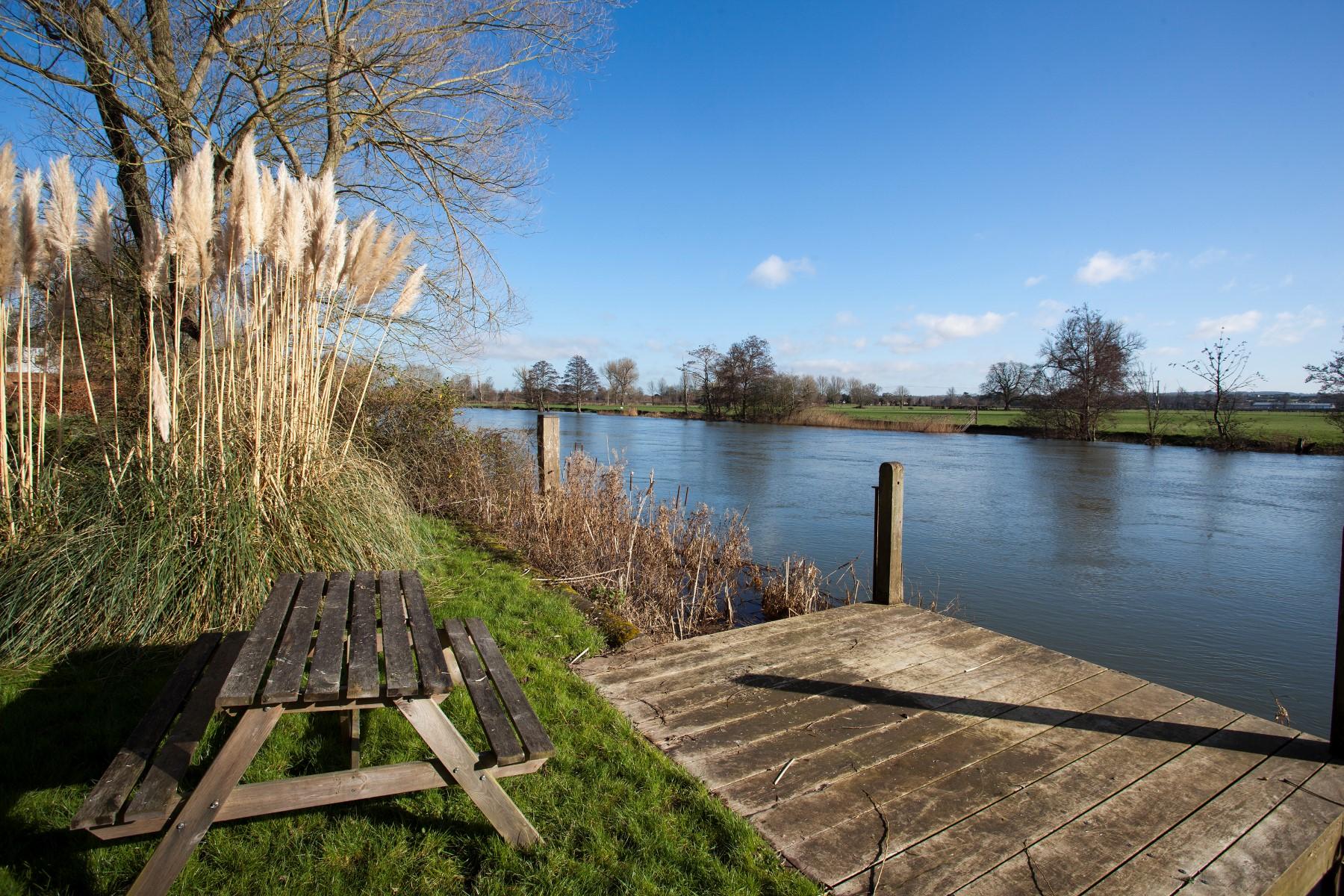 一戸建て のために 売買 アット Waterfront Property, Oxford Chalmore Gardens Wallingford, イギリス, OX109EP イギリス