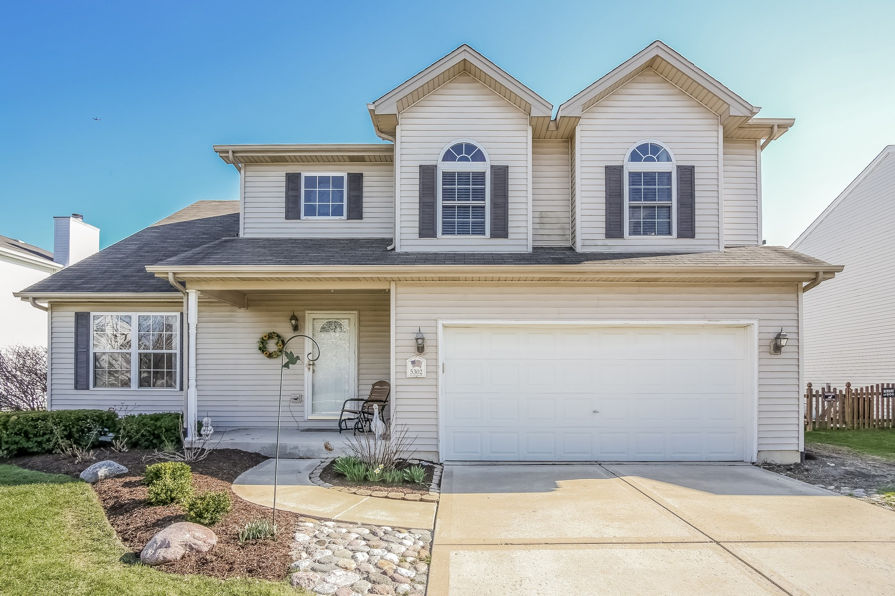 Single Family Home for Sale at Perfect Layout in Spacious Home 5302 Meadowbrook Street Plainfield, Illinois, 60586 United States