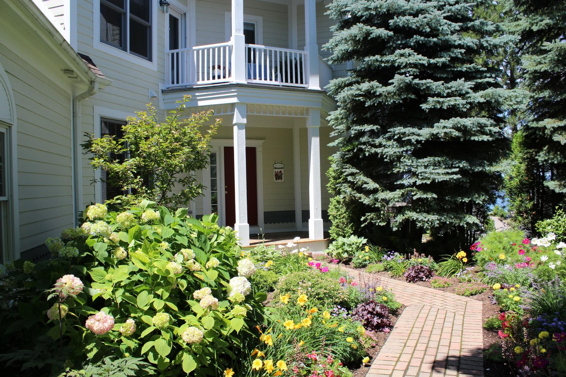 Eigentumswohnung für Verkauf beim Cliffs at Bay Harbor Spacious turn-key condominium 3680 Cliffs Drive Bay Harbor, Michigan, 49770 Vereinigte Staaten