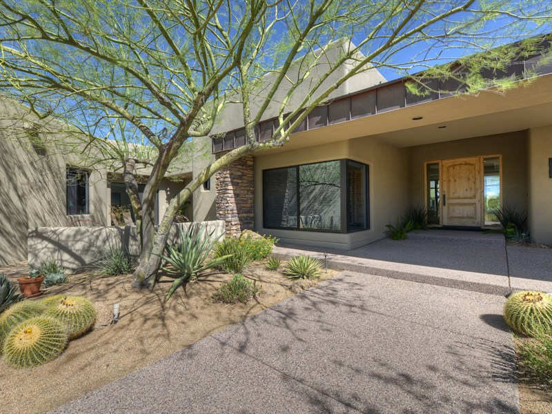 Single Family Home for Sale at Beautiful Home is an Exceptional Value in Desert Mountain 10962 E Old Trails Rd #9 Scottsdale, Arizona 85262 United States