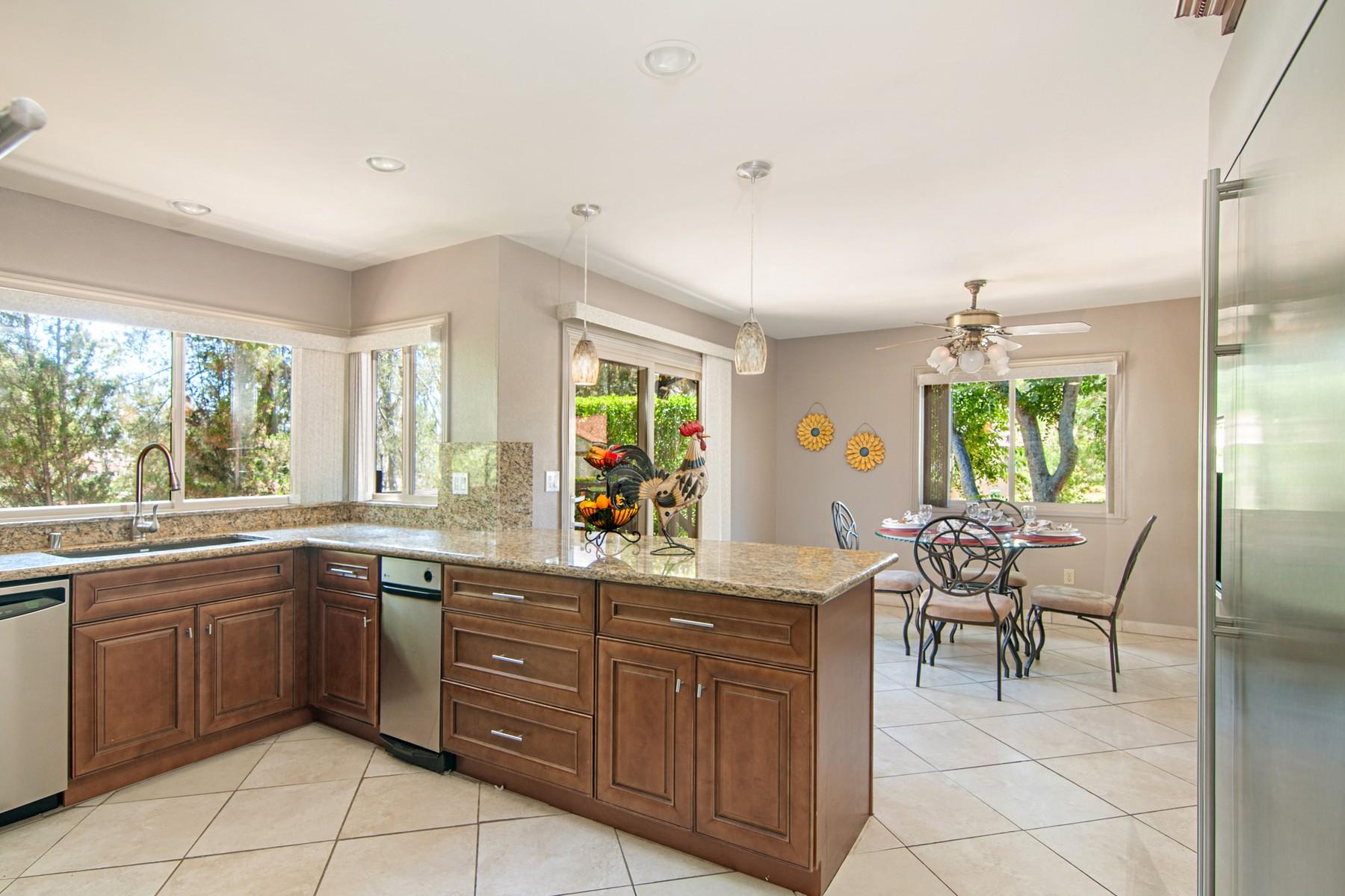 Additional photo for property listing at 3202 Avenida Hacienda  Escondido, California 92029 Estados Unidos